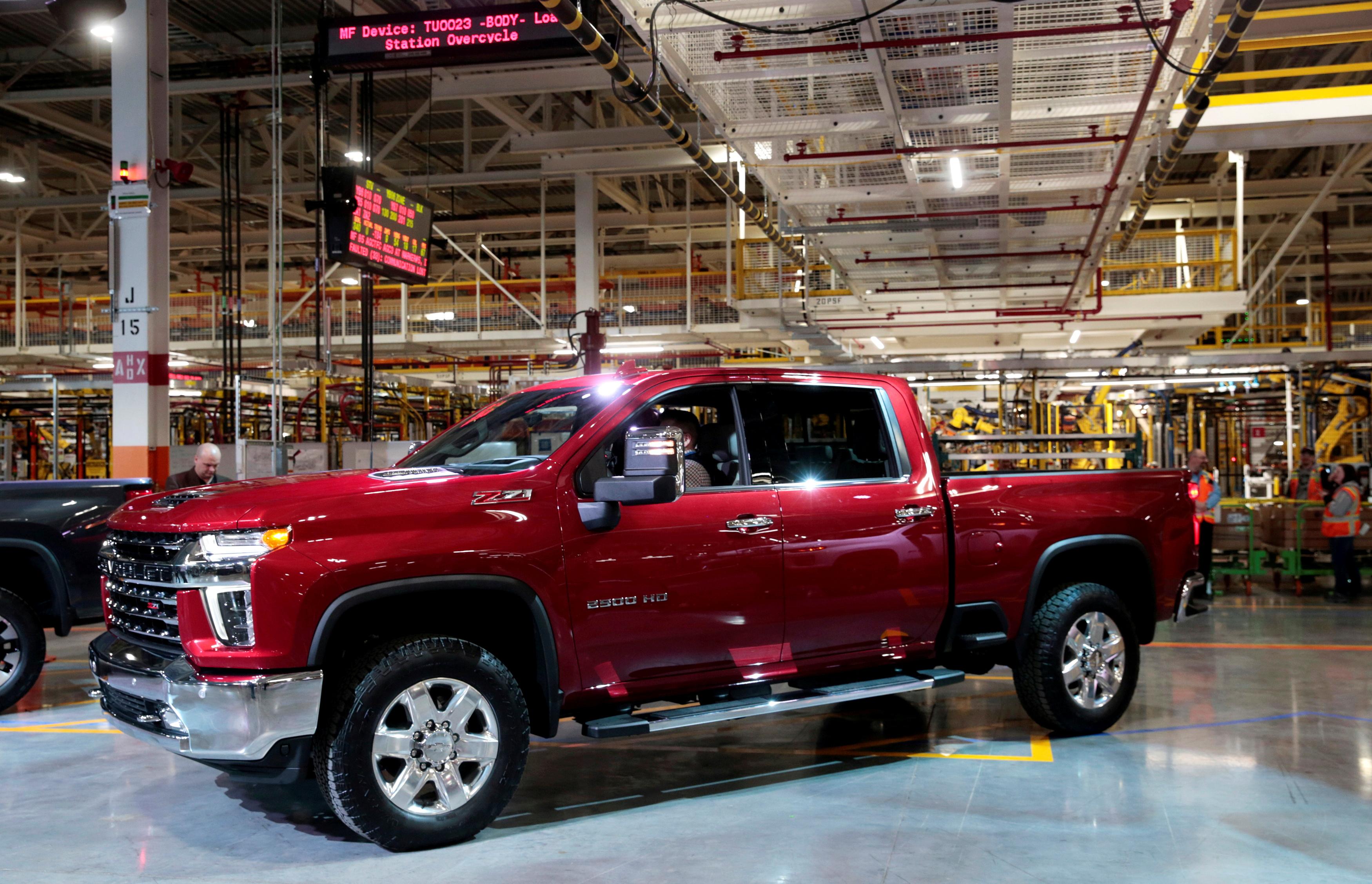 General Motors Co muestra la camioneta Chevrolet 2020 Silverado HD en la planta de ensamblaje de GM Flint en Flint, Michigan, EE. UU. El 5 de febrero de 2019. REUTERS / Rebecca Cook / Foto de archivo