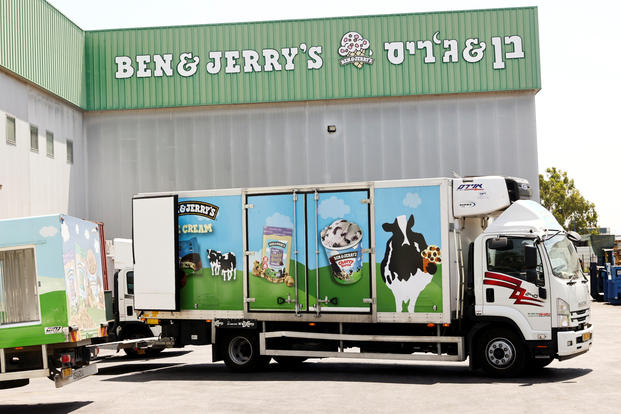 A Ben & Jerry's ice-cream delivery truck is seen at their factory in Be'er Tuvia, Israel July 20, 2021. REUTERS/Ronen Zvulun