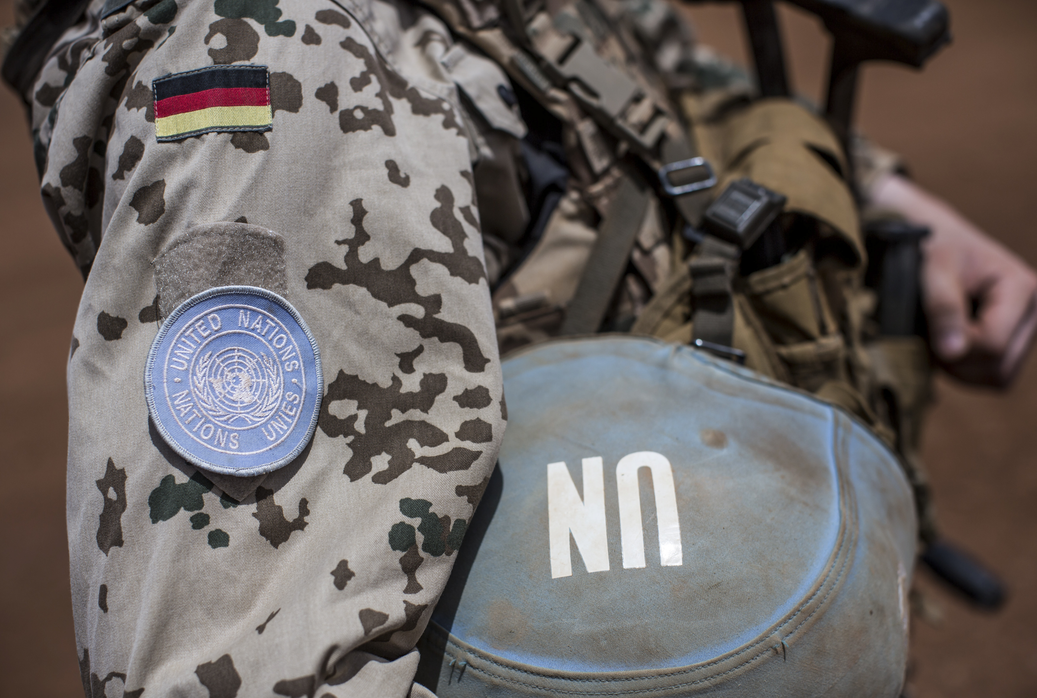 A German soldier from the UN contingent MINUSMA  in Gao, Mali, April 5, 2016. REUTERS/Michael Kappeler/Pool