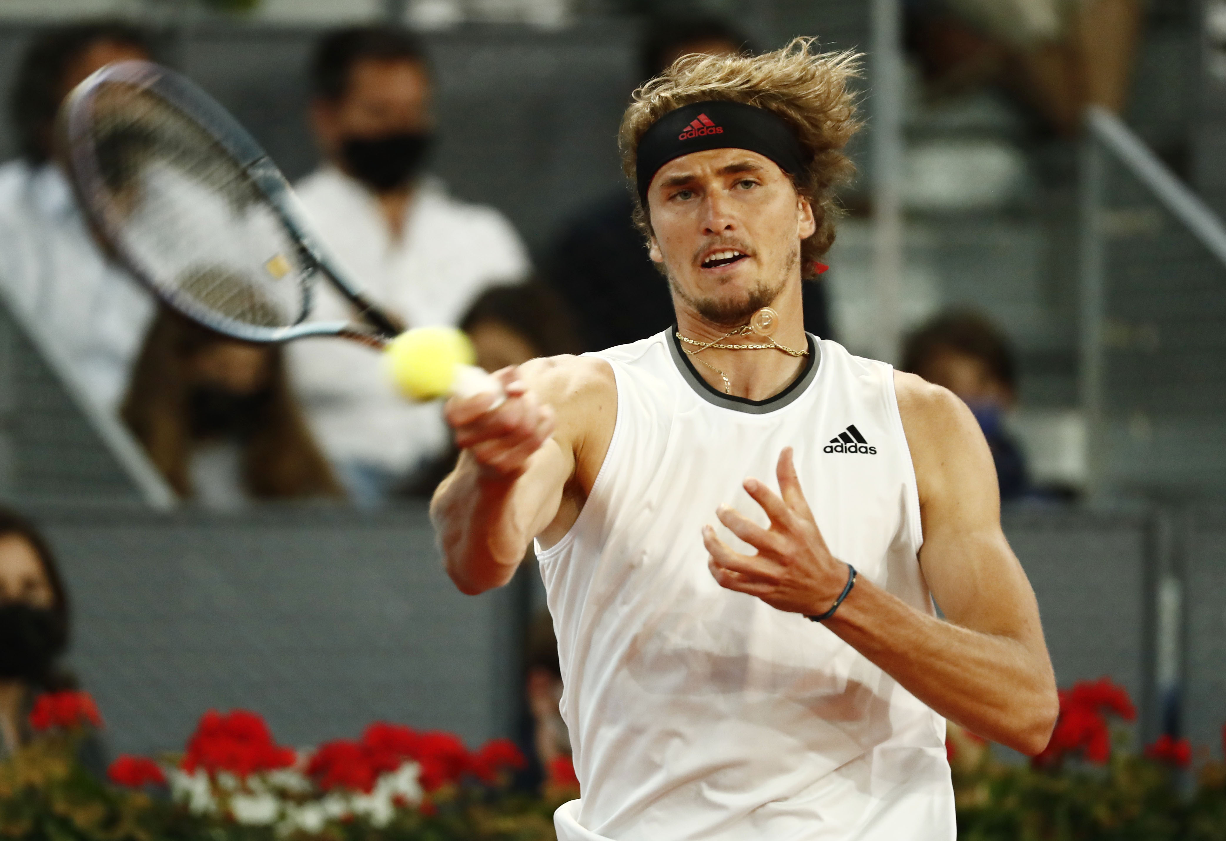 Tennis - ATP Masters 1000 - Madrid Open - Caja Magica, Madrid, Spain - May 9, 2021 Germany's Alexander Zverev in action during his final match against Italy's Matteo Berrettini REUTERS/Sergio Perez
