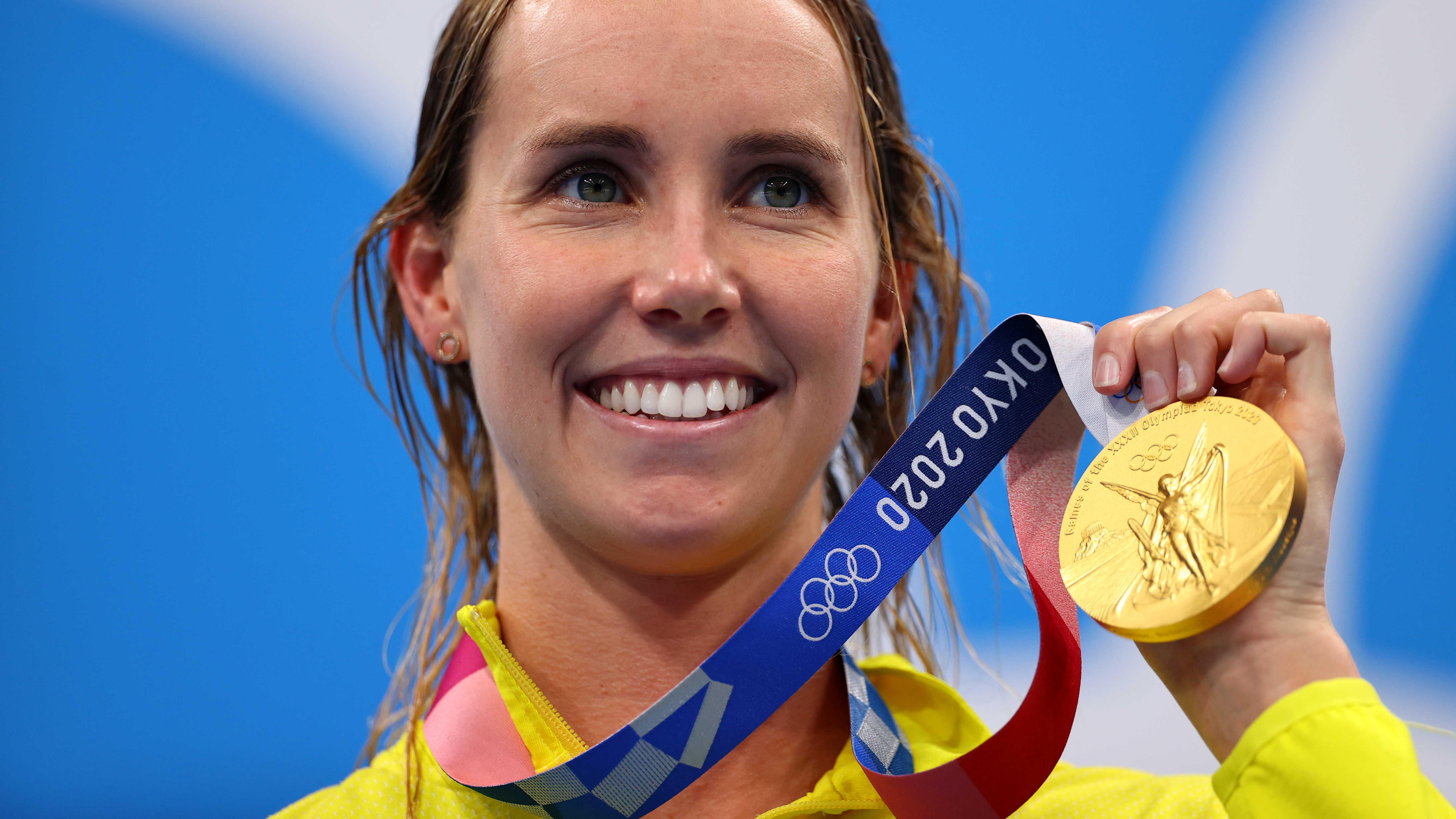 Tokyo 2020 Olympics - Swimming - Women's 50m Freestyle - Medal Ceremony - Tokyo Aquatics Centre - Tokyo, Japan - August 1, 2021. Emma McKeon of Australia with her gold medal REUTERS/Marko Djurica