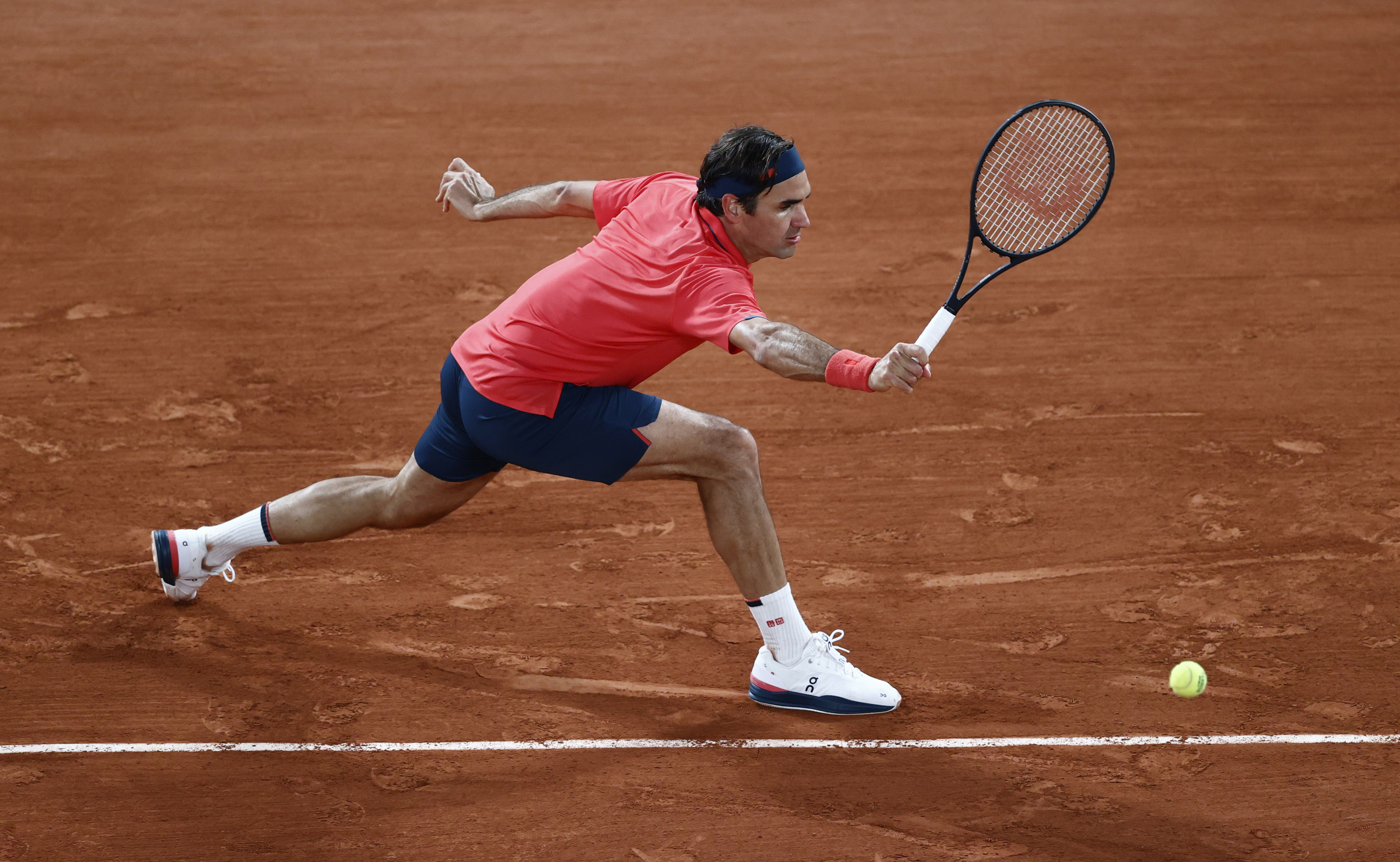 Tennis - French Open - Roland Garros, Paris, France - June 5, 2021 Switzerland's Roger Federer in action during his third round match against Germany's Dominik Koepfer REUTERS/Christian Hartmann