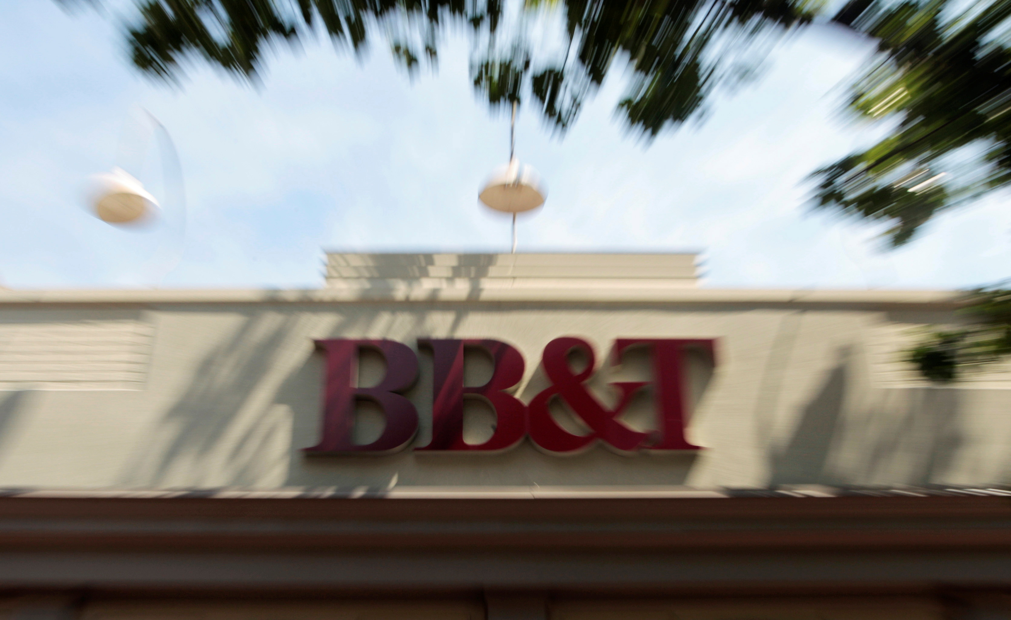 A BB&T bank is pictured in Alexandria, Virginia July 22, 2010. REUTERS/Molly Riley/File Photo