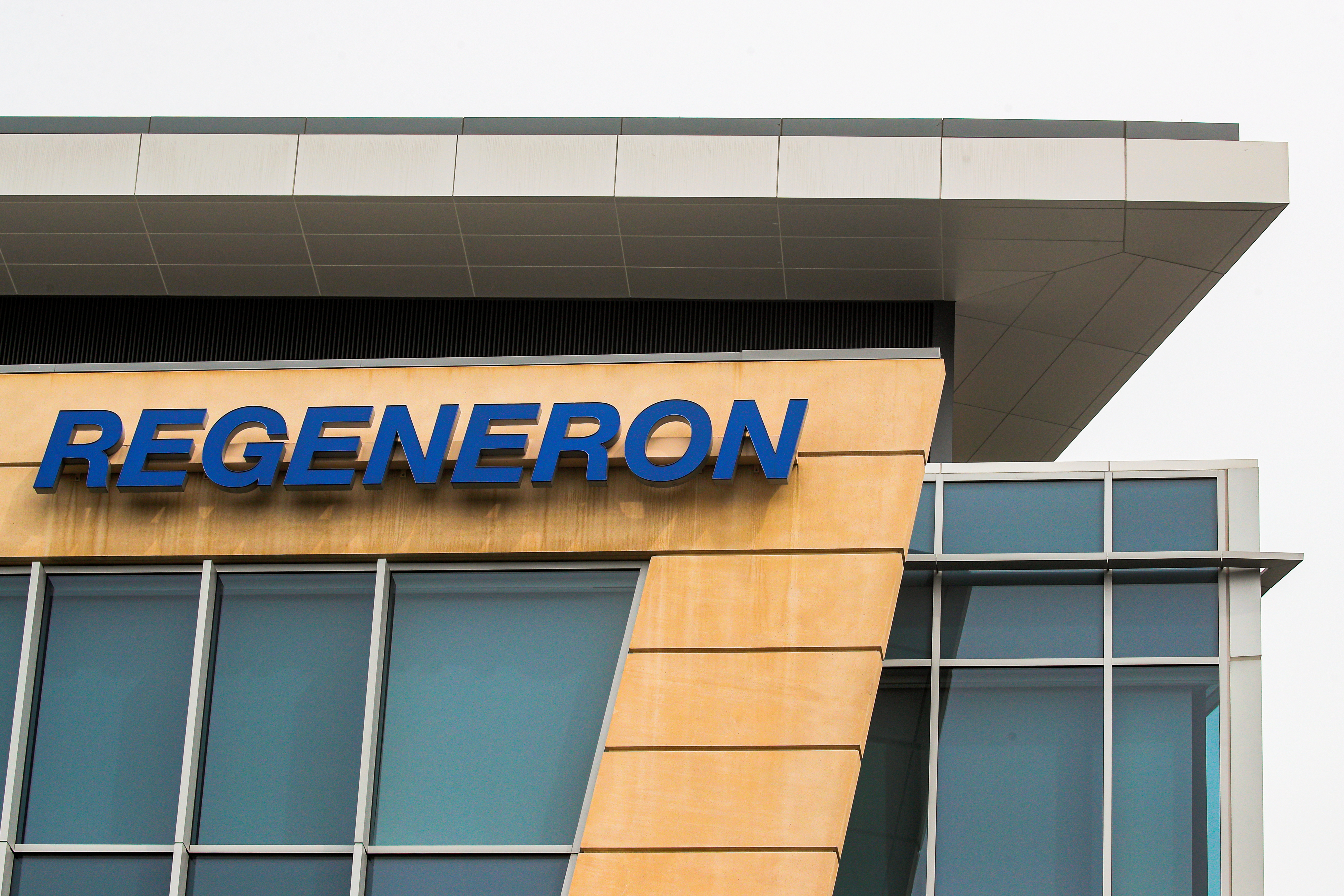 The Regeneron Pharmaceuticals company logo is seen on a building at the company's Westchester campus in Tarrytown, New York, U.S. September 17, 2020.  REUTERS/Brendan McDermid