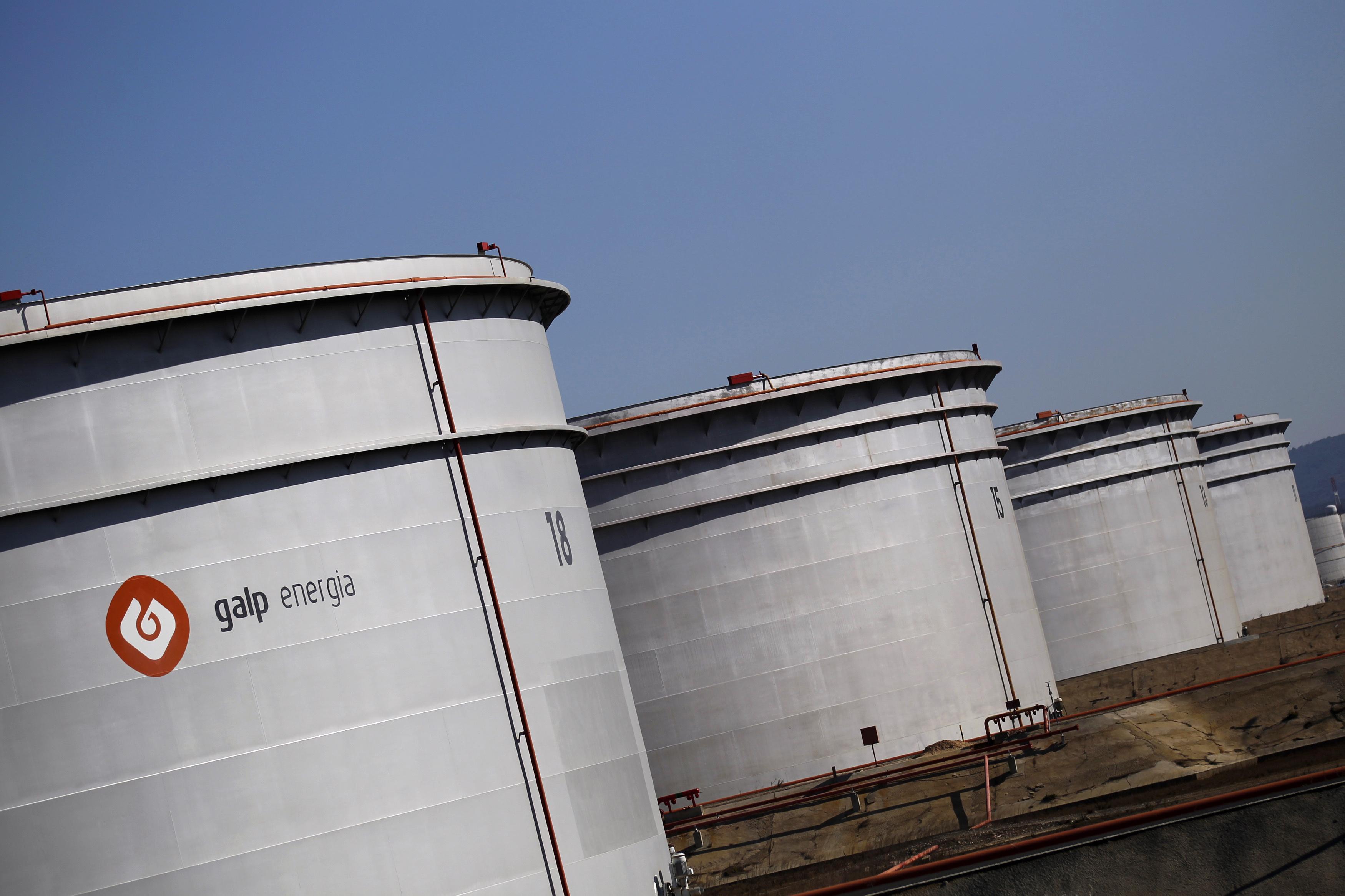 A Galp Energia refinery is seen near Sines,  file.  REUTERS/Rafael Marchante