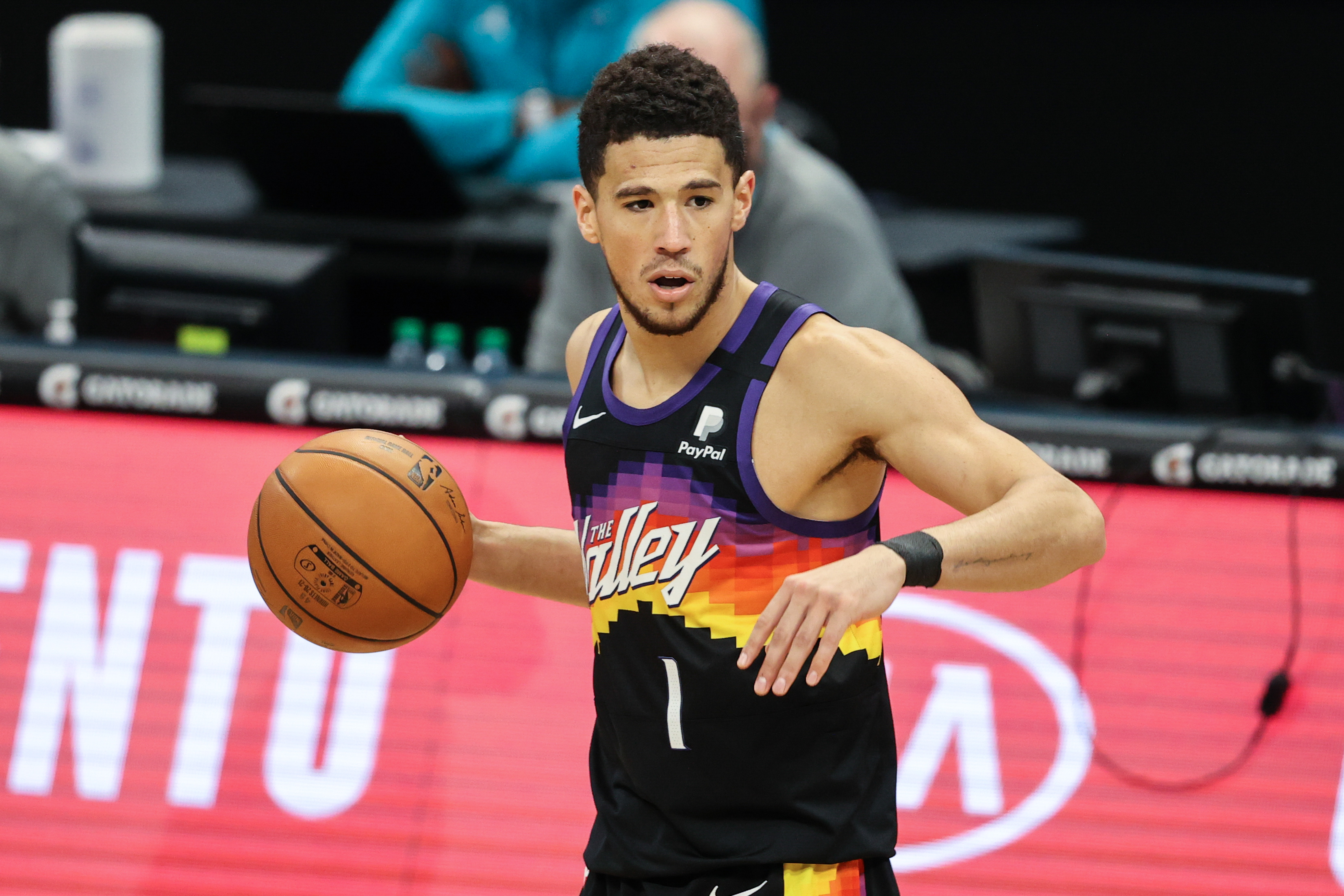 NBA roundup: Devin Booker scores 45 as Suns stay hot | Reuters