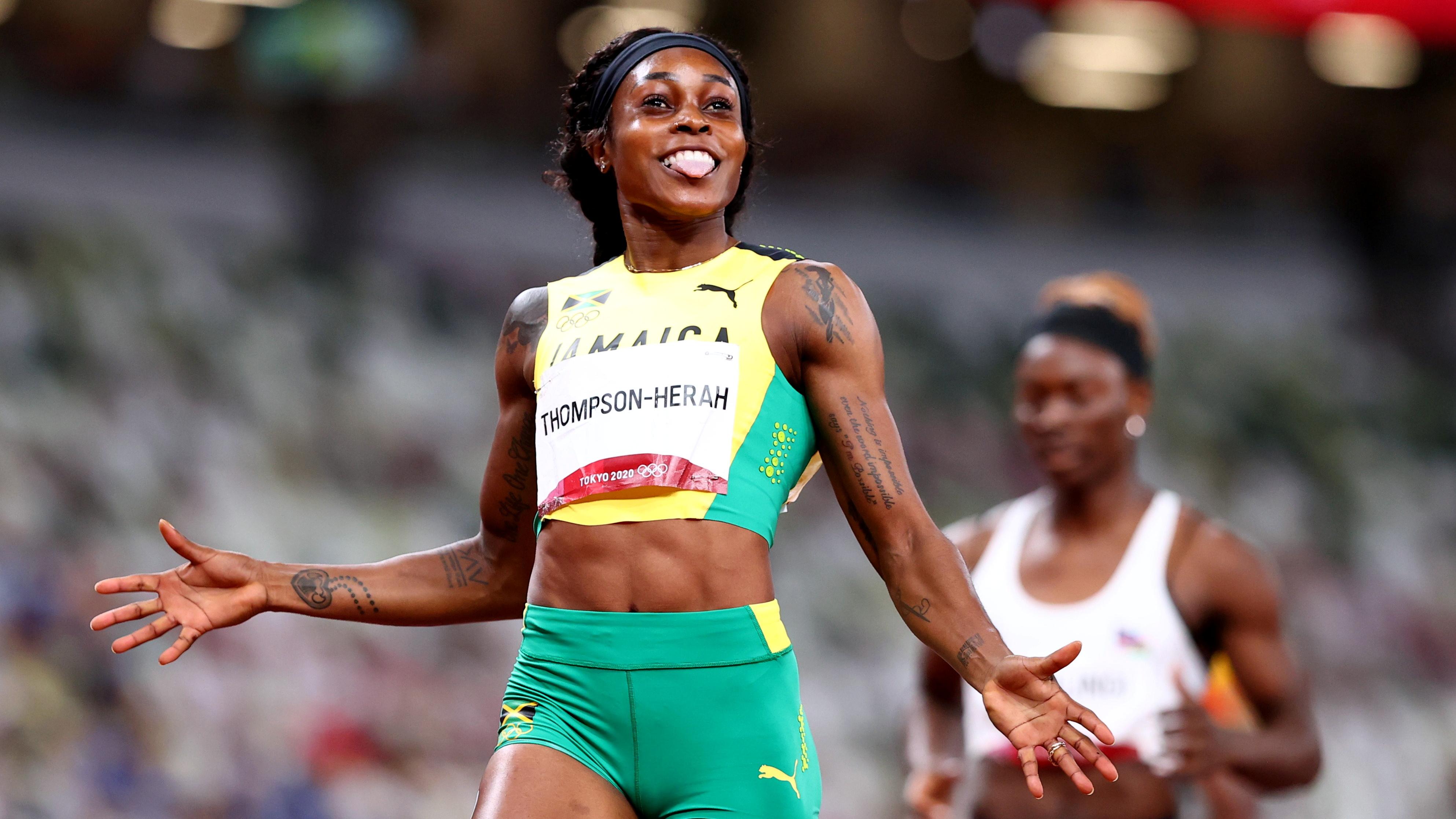 Tokyo 2020 Olympics - Athletics - Women's 200m - Final - Olympic Stadium, Tokyo, Japan - August 3, 2021. Elaine Thompson-Herah of Jamaica celebrates winning gold REUTERS/Lucy Nicholson