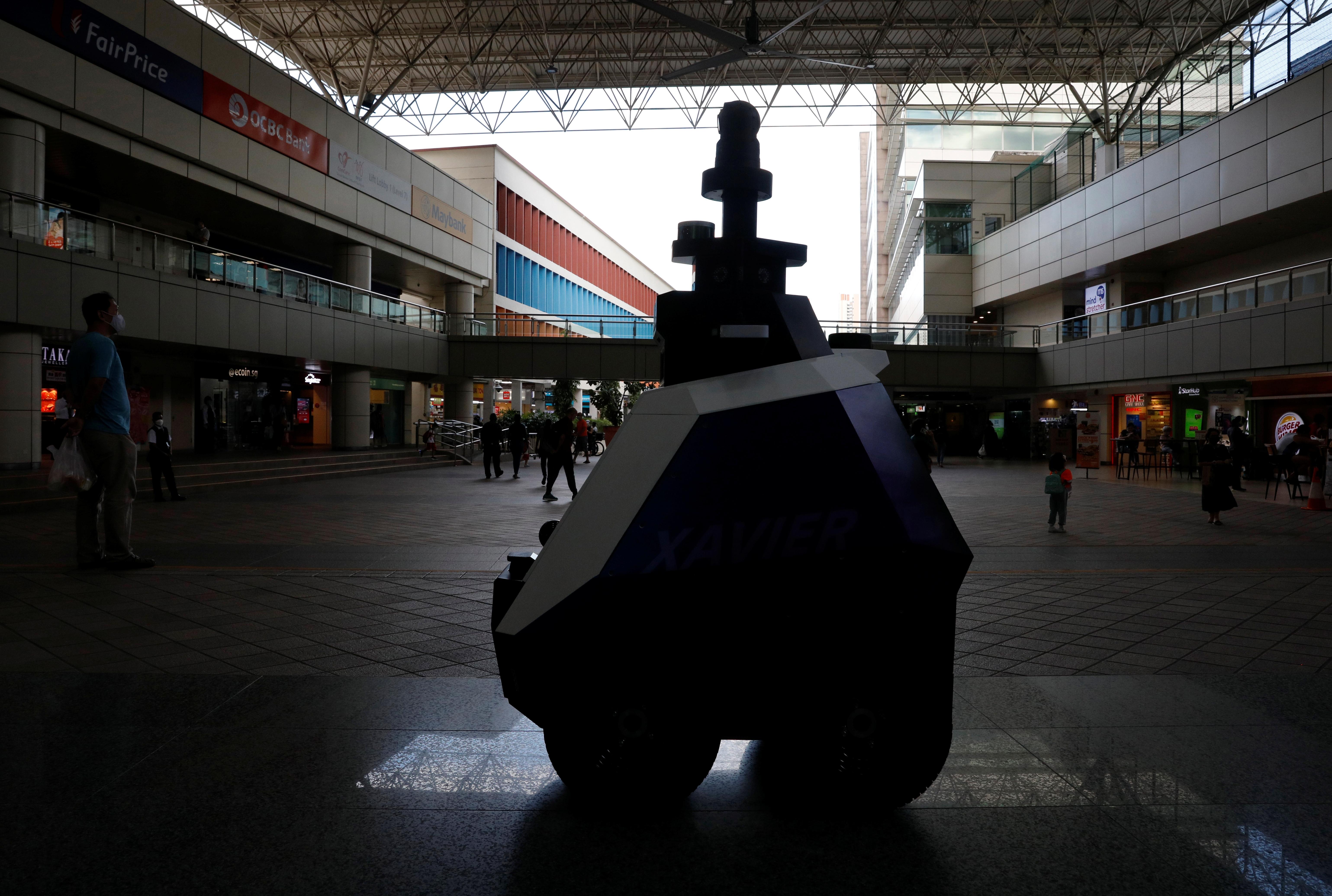 Autonomous robot Xavier patrols a neighbourhood mall to detect