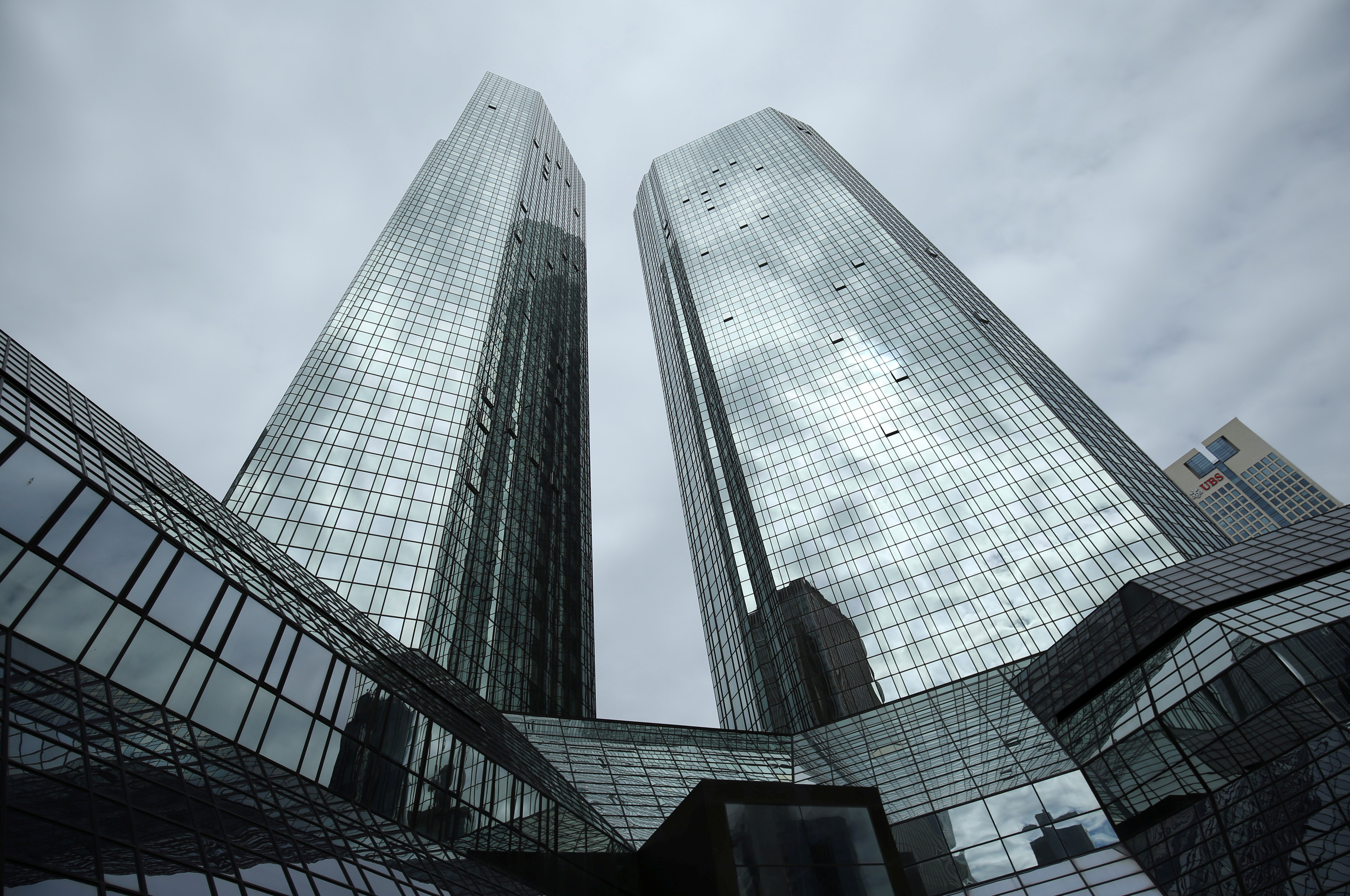 The Deutsche Bank headquarters are pictured in Frankfurt, Germany, April 25, 2019. REUTERS/Ralph Orlowski