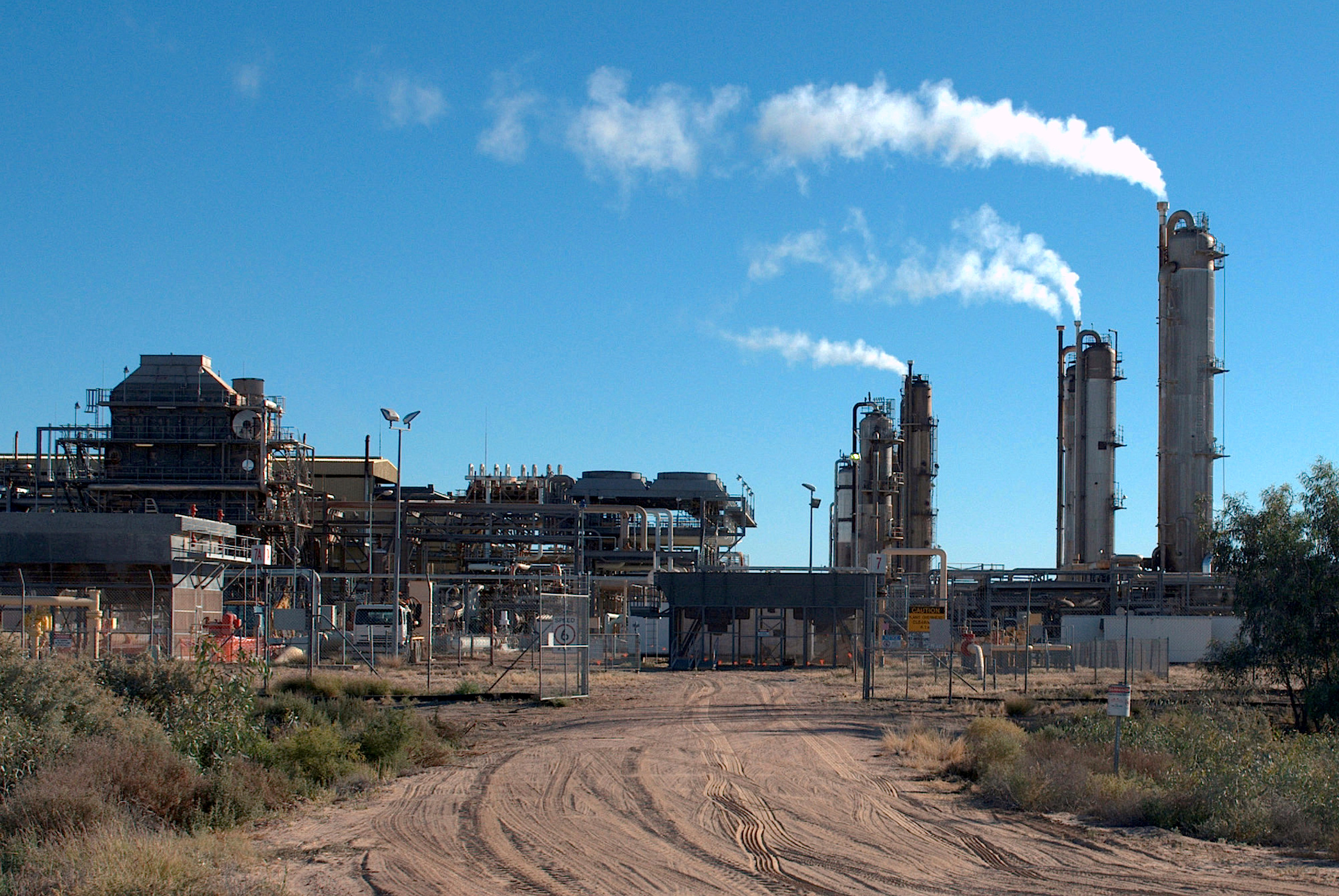 Santos-operated Moomba gas plant is seen outside Moomba, South Australia May 17, 2012. Picture taken May 17, 2012.