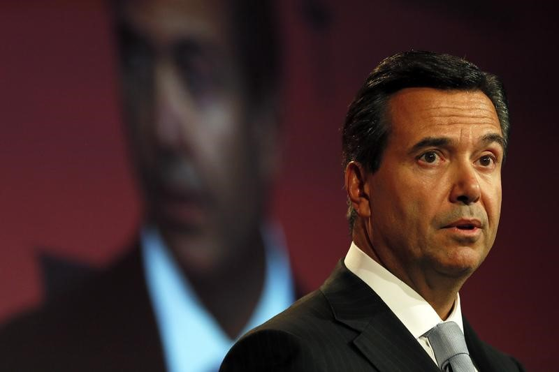 Lloyds Chief Executive Antonio Horta-Osorio speaks at the British Chambers of Commerce annual meeting in central London February 10, 2015. REUTERS/Stefan Wermuth