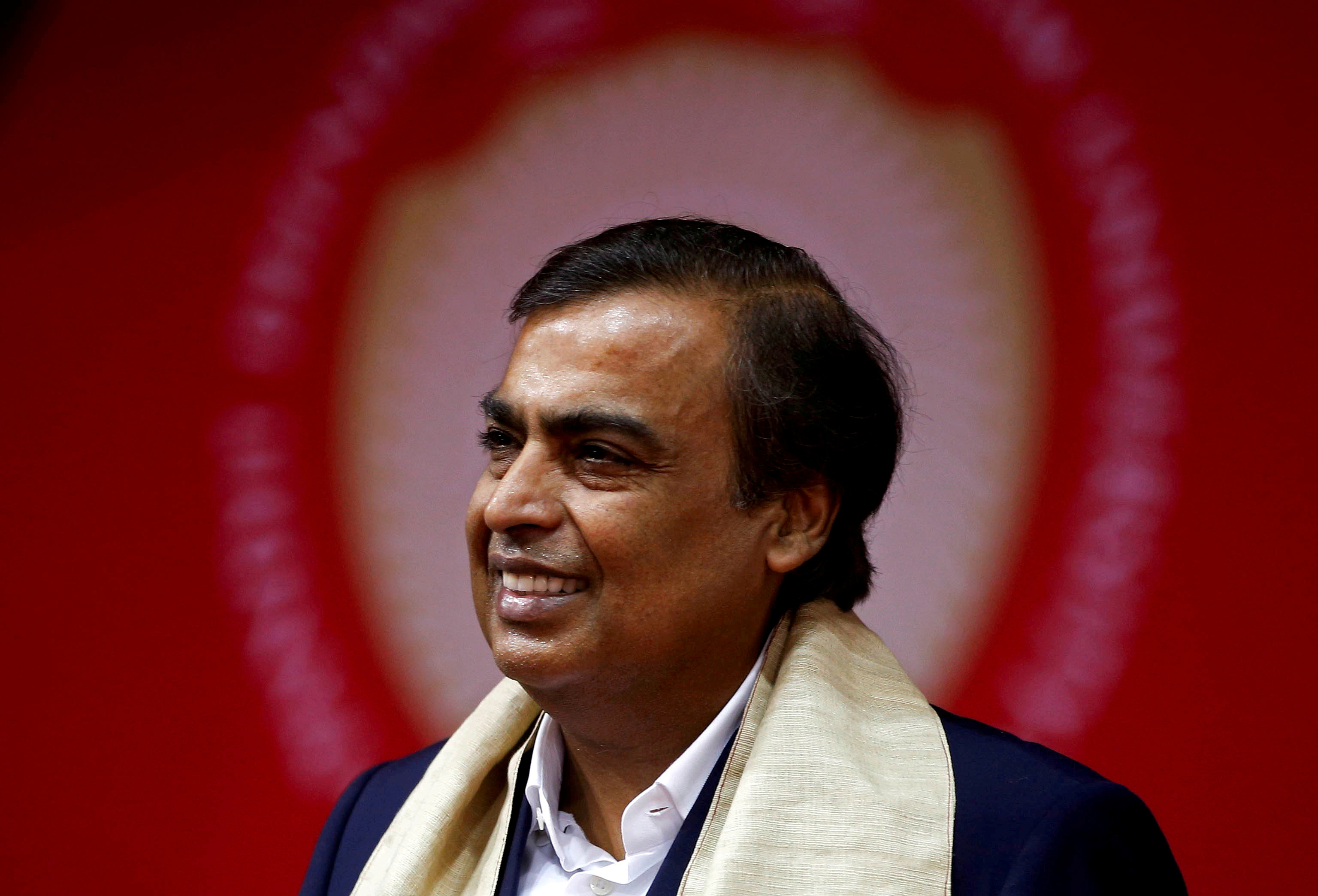 Mukesh Ambani, Chairman and Managing Director of Reliance Industries, attends a convocation at the Pandit Deendayal Petroleum University in Gandhinagar, India, September 23, 2017. REUTERS/Amit Dave/File Photo - RC2IFO9OUCPE