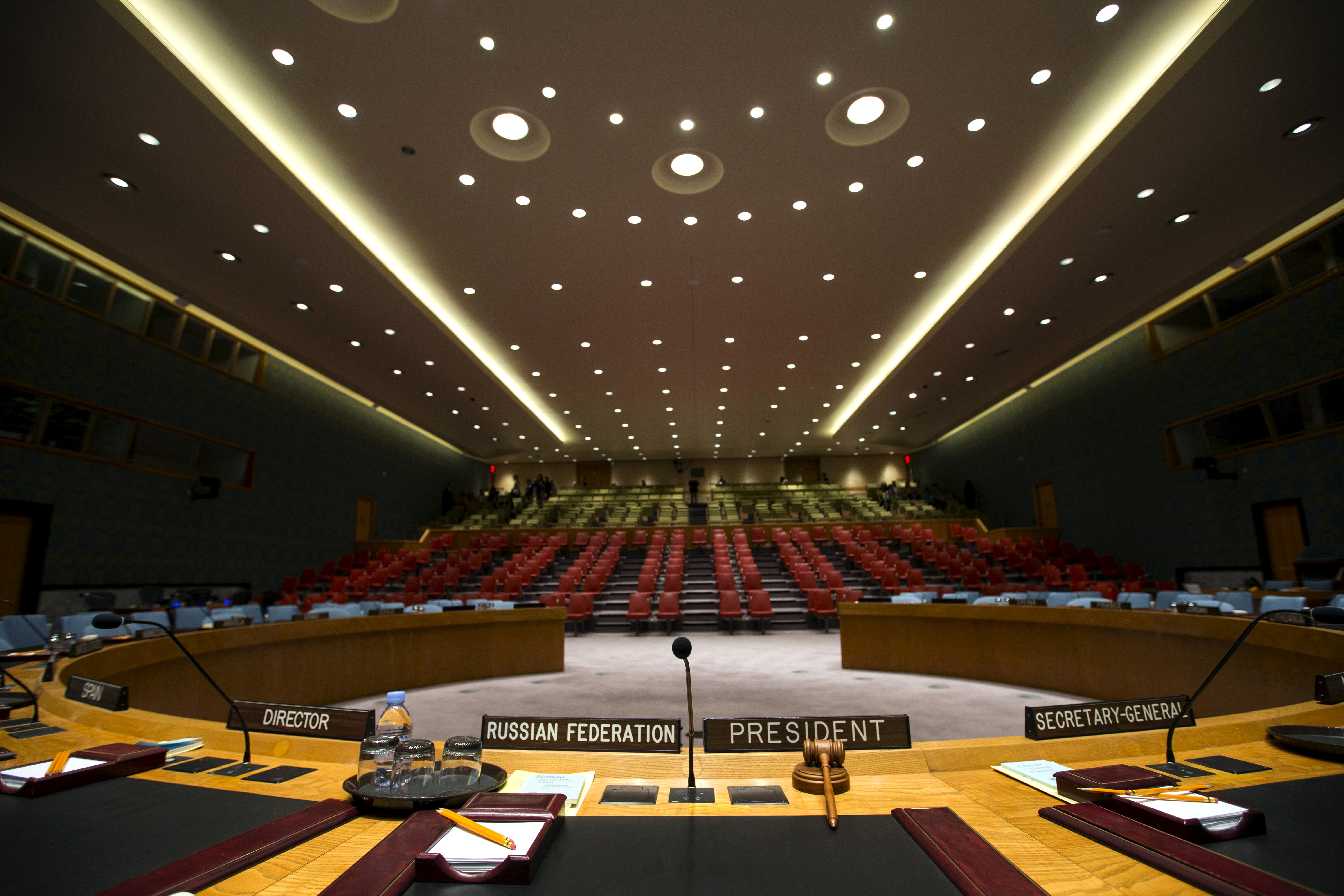The Security Council chamber is seen from behind the council president's chair at the United Nations headquarters in New York City, September 18, 2015 REUTERS/Mike Segar/File Photo