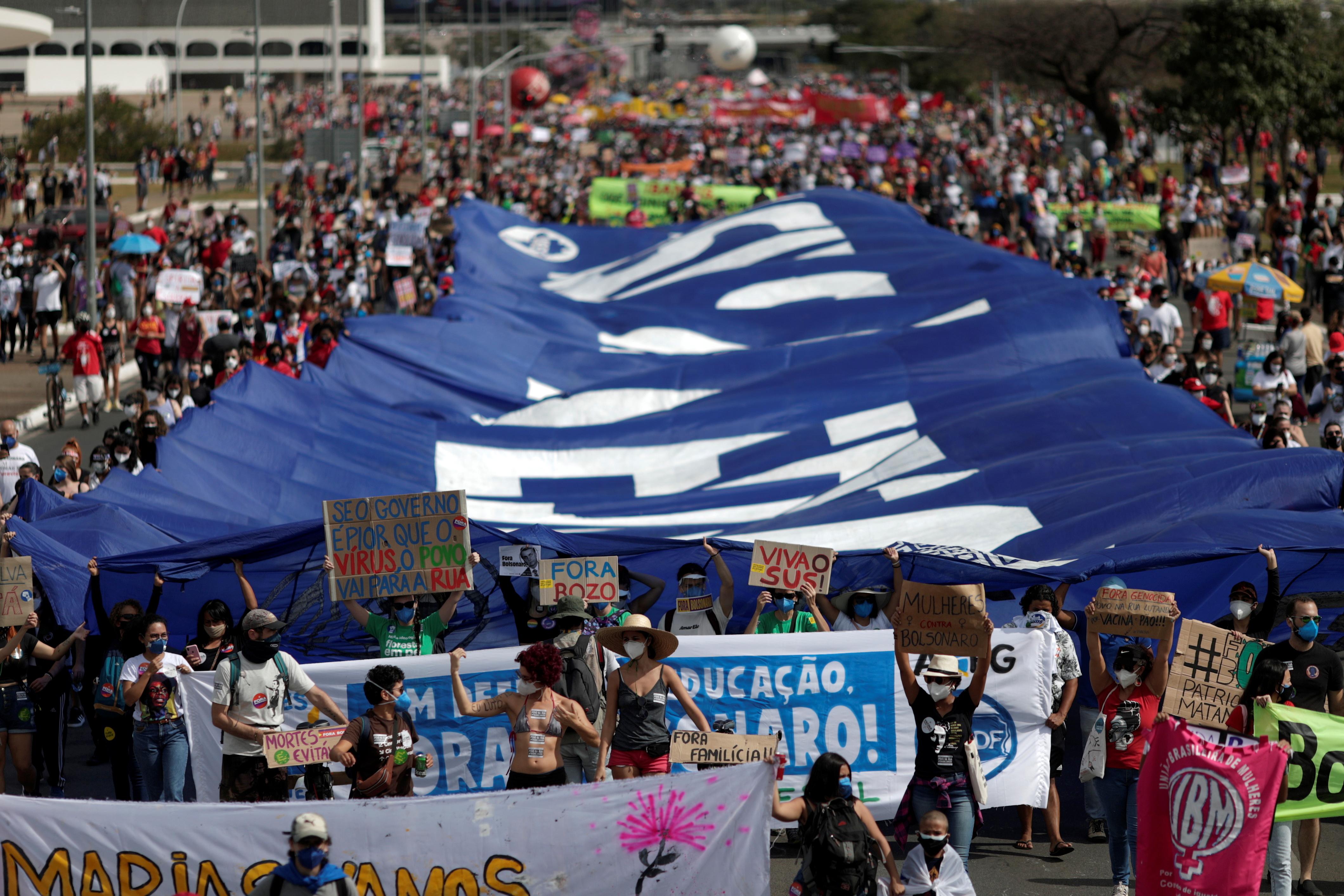Brazilians Stage Nationwide Protests Against President Bolsonaro's Coronavirus Response