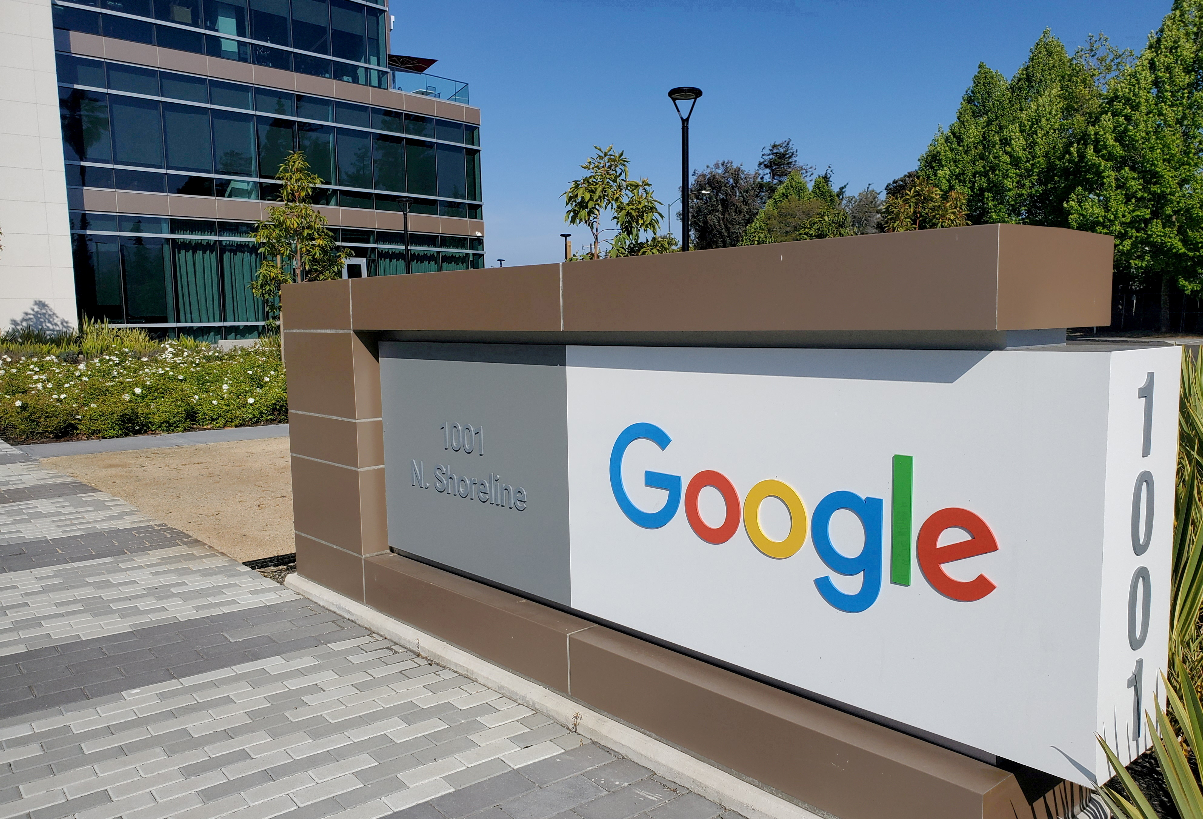 A sign is pictured outside a Google office near the company's headquarters in Mountain View, California, U.S., May 8, 2019. REUTERS/Paresh Dave/File Photo