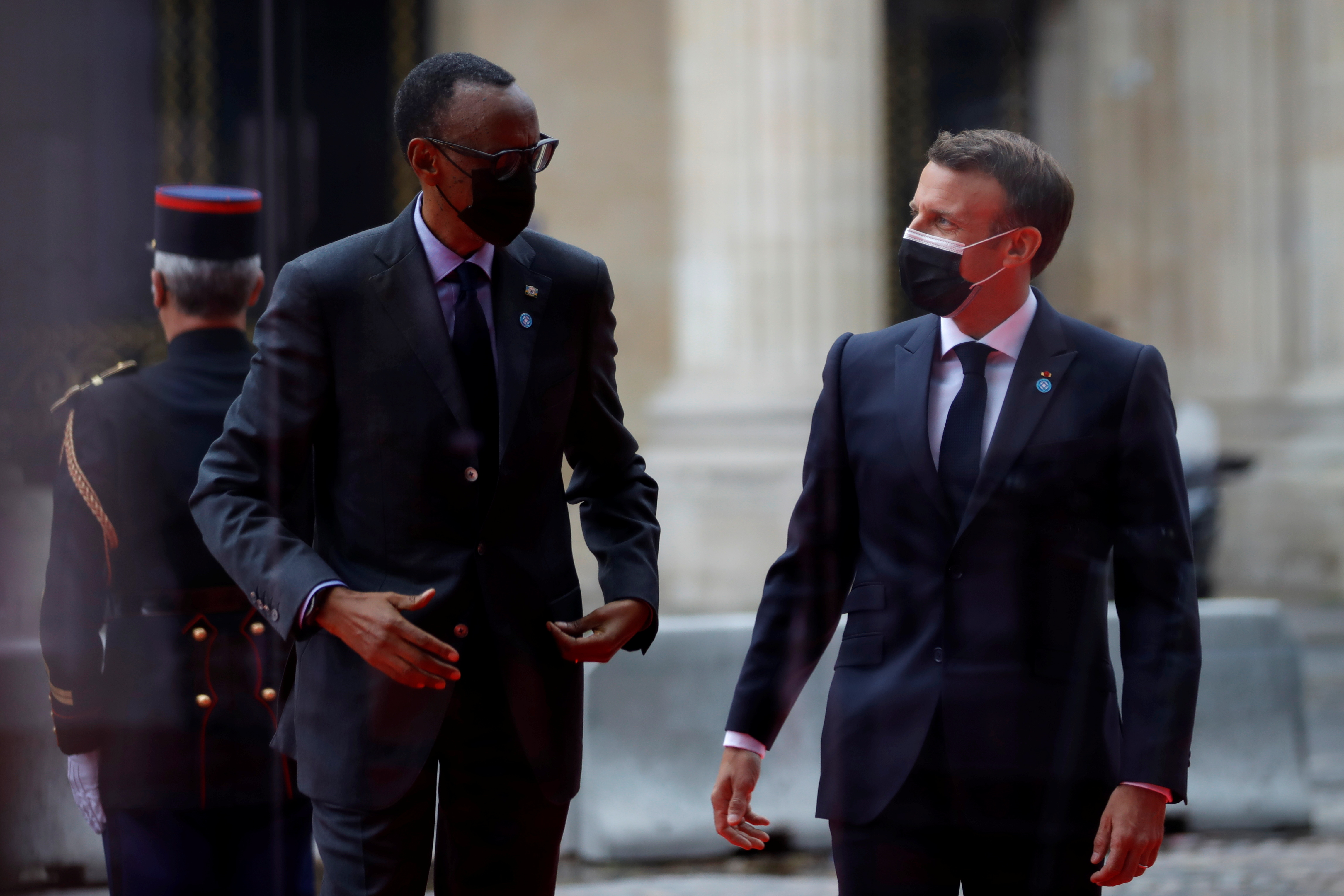 French President Emmanuel Macron welcomes Rwanda's President Paul Kagame as he arrives to attend the International Conference in support of Sudan at the Temporary Grand Palais in Paris, France, May 17, 2021. REUTERS/Sarah Meyssonnier
