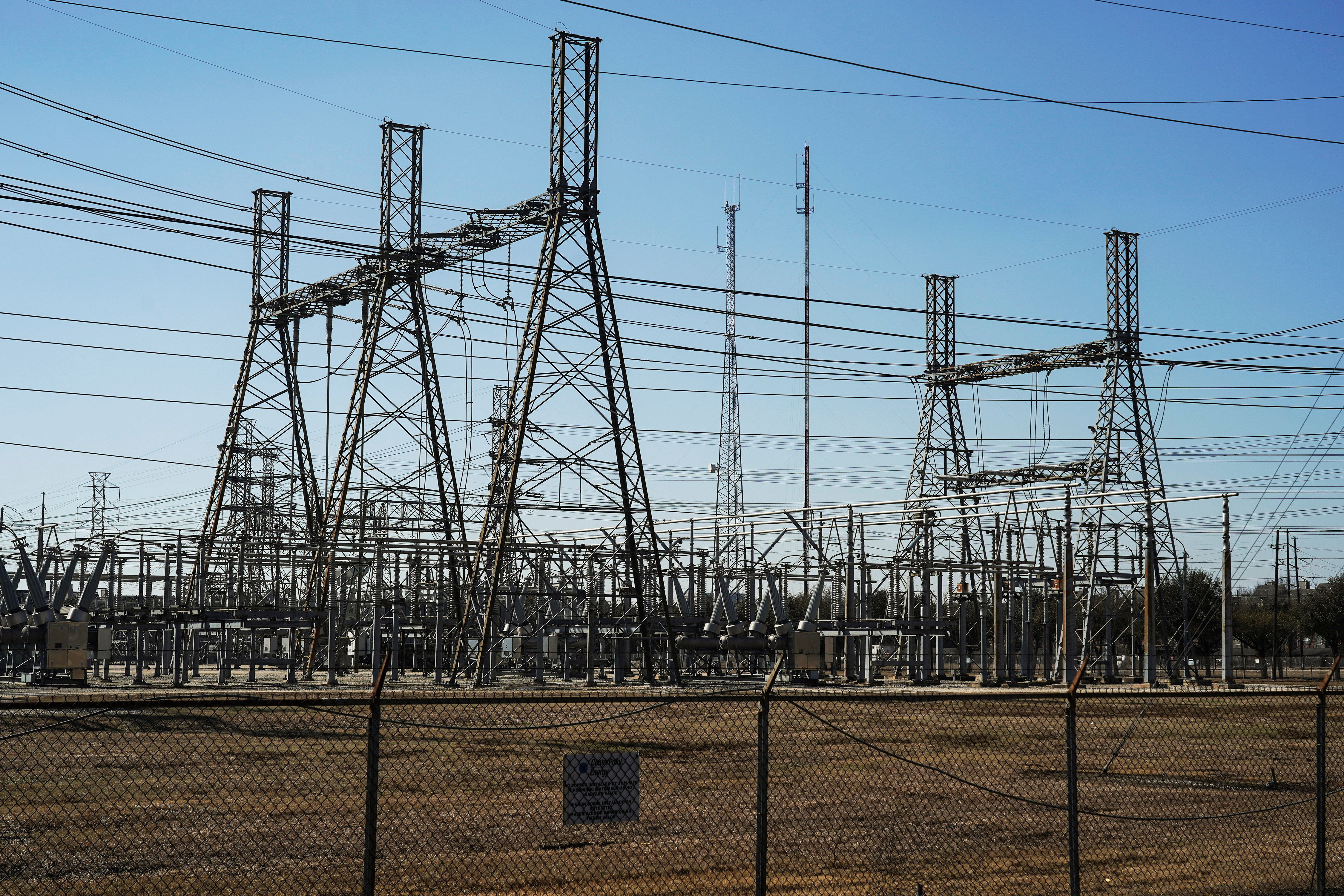 An electrical substation is seen after winter weather caused electricity blackouts in Houston, Texas, U.S. February 20, 2021.  REUTERS/Go Nakamura