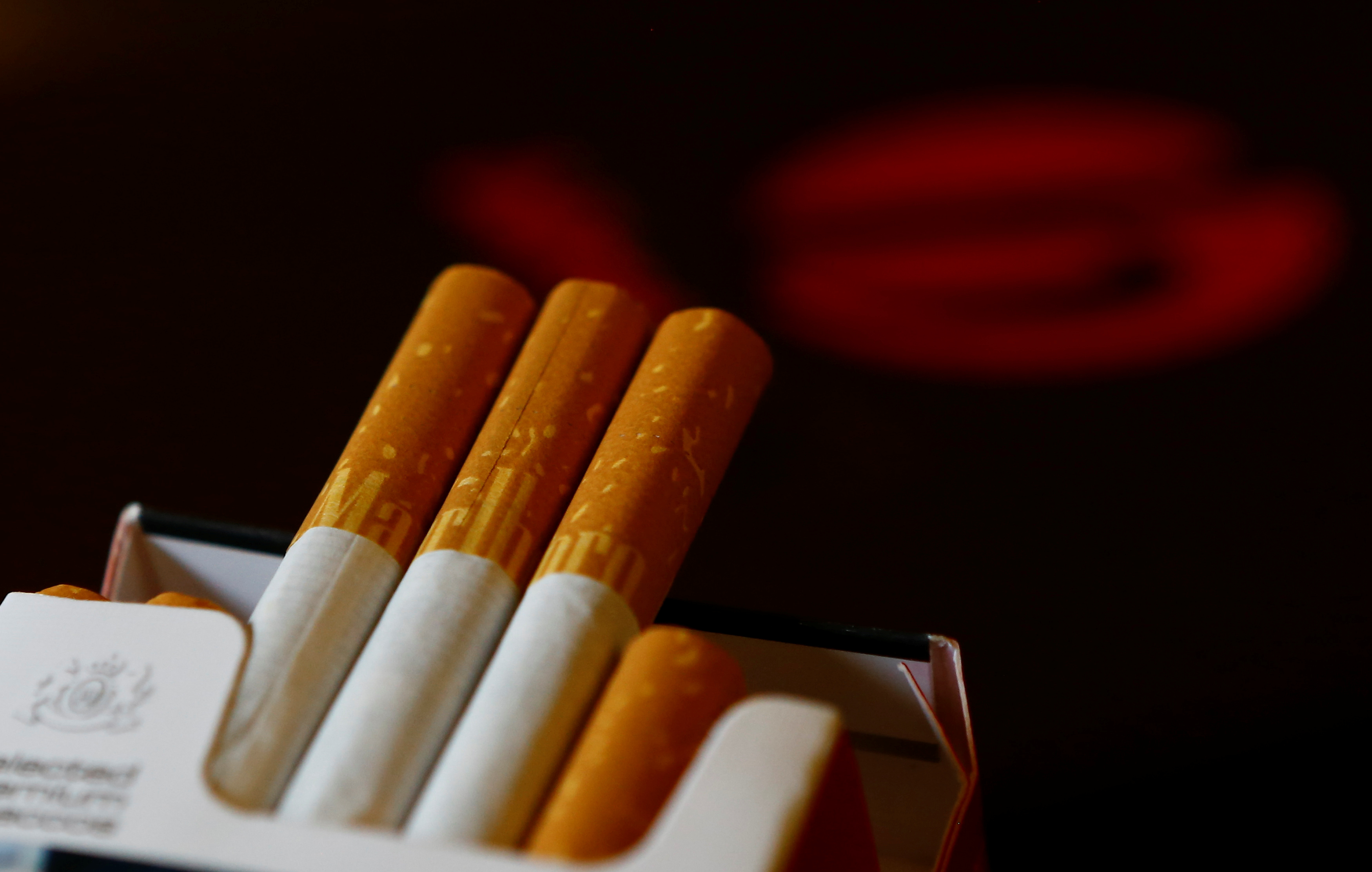 An illustration picture shows a pack of Marlboro cigarettes in a coffee house in Vienna, Austria, May 12, 2017.  REUTERS/Leonhard Foeger/Illustration