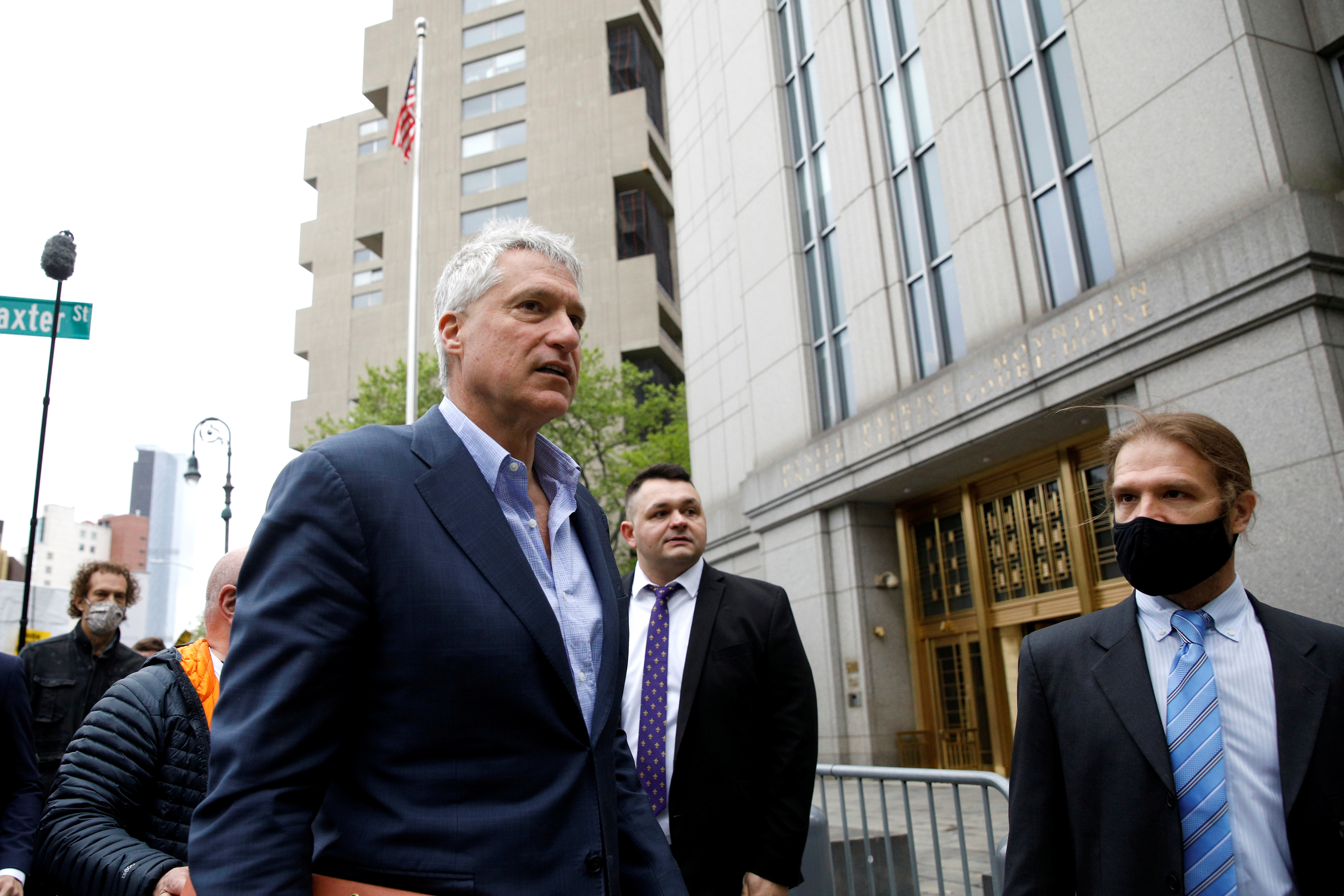 Attorney Steven Donziger arrives for his criminal contempt trail at the Manhattan Federal Courthouse in the Manhattan borough of New York City, May 10, 2021.  REUTERS/Brendan McDermid