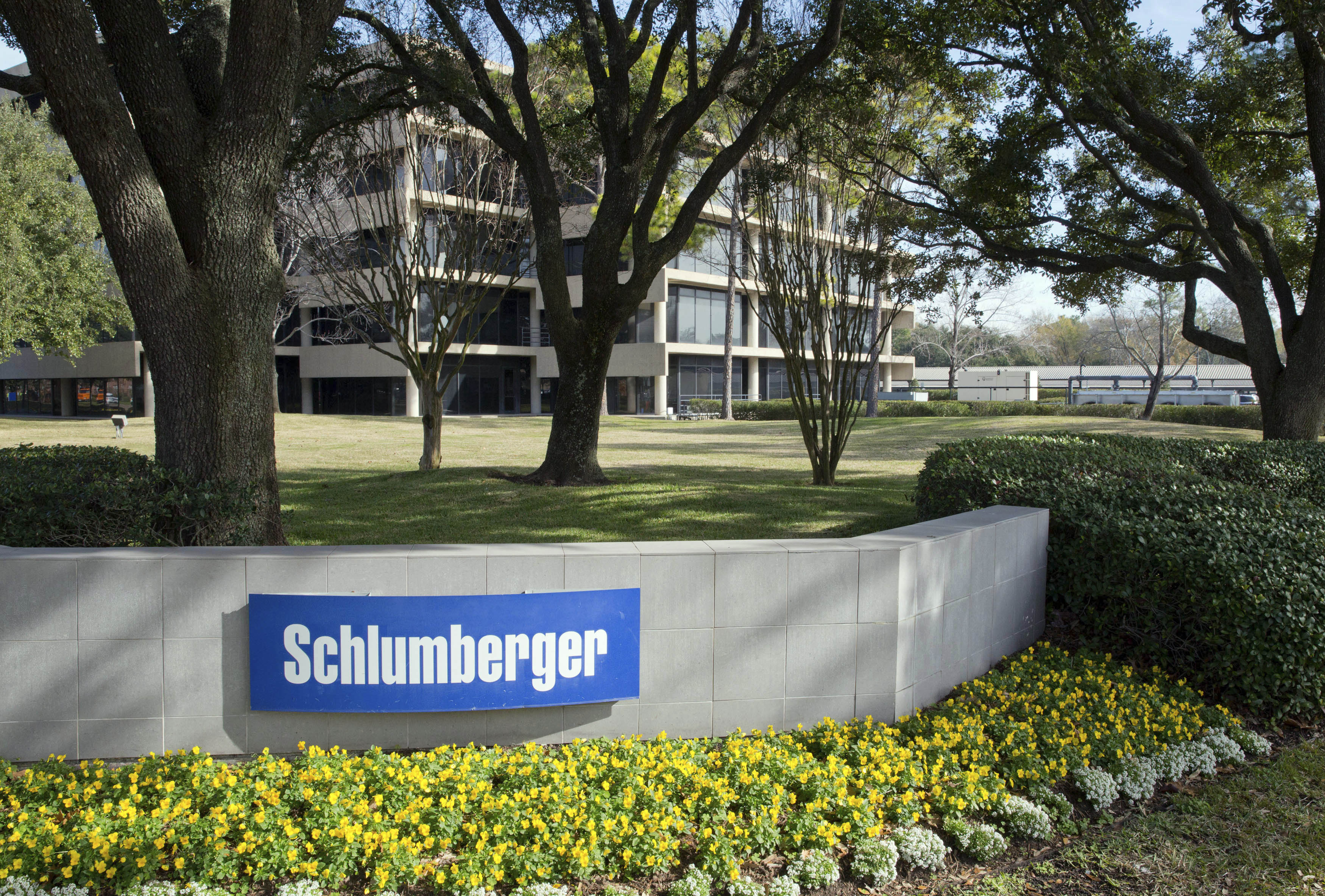 The exterior of a Schlumberger Corporation building is pictured in West Houston January 16, 2015. REUTERS/Richard Carson/Files
