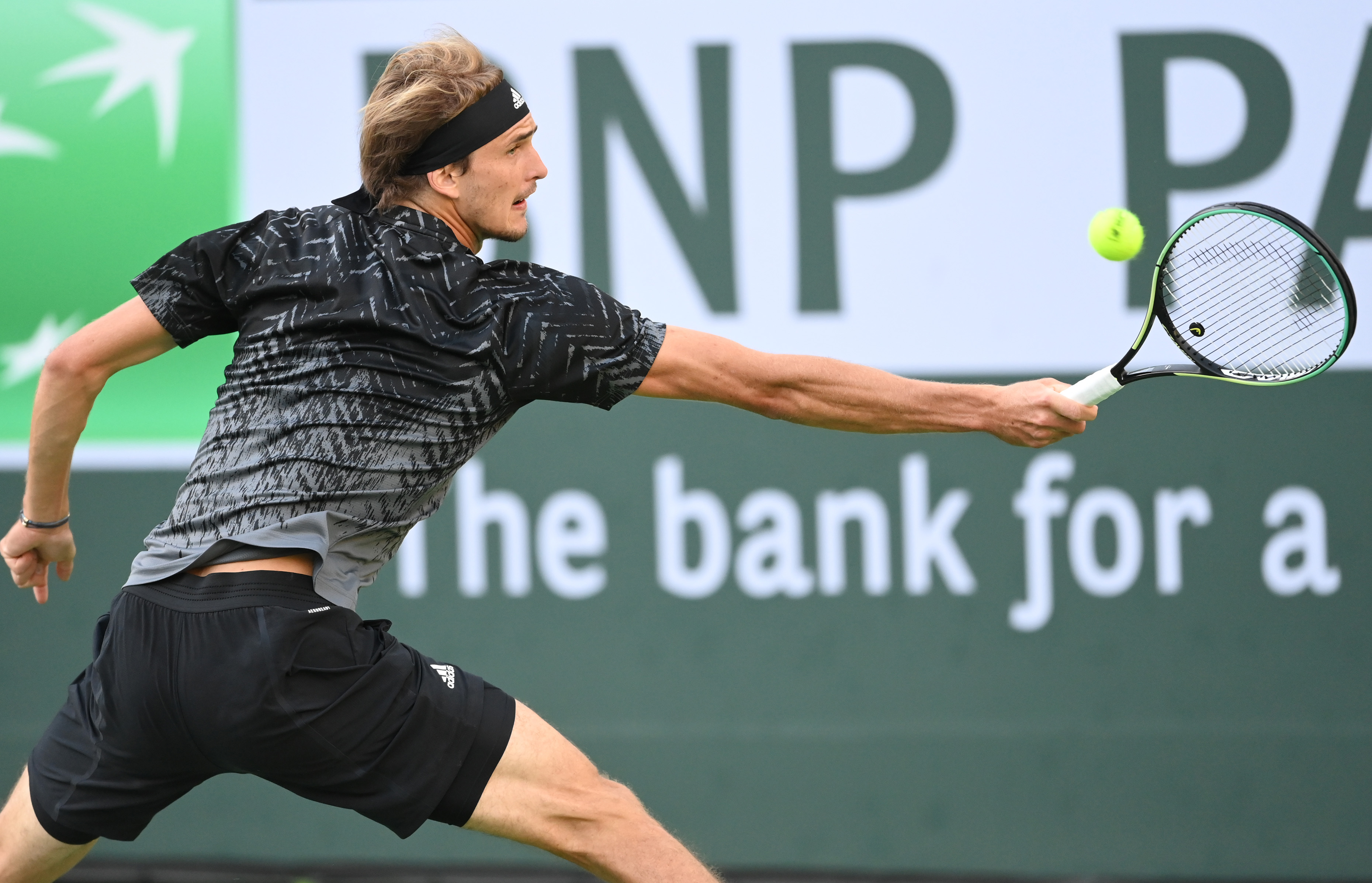 Oct 12, 2021; Indian Wells, CA, USA;  Alexander Zverev (GER) hits a shot against Andy Murray (GBR) during a third round match against in the BNP Paribas Open at the Indian Wells Tennis Garden. Mandatory Credit: Jayne Kamin-Oncea-USA TODAY Sports