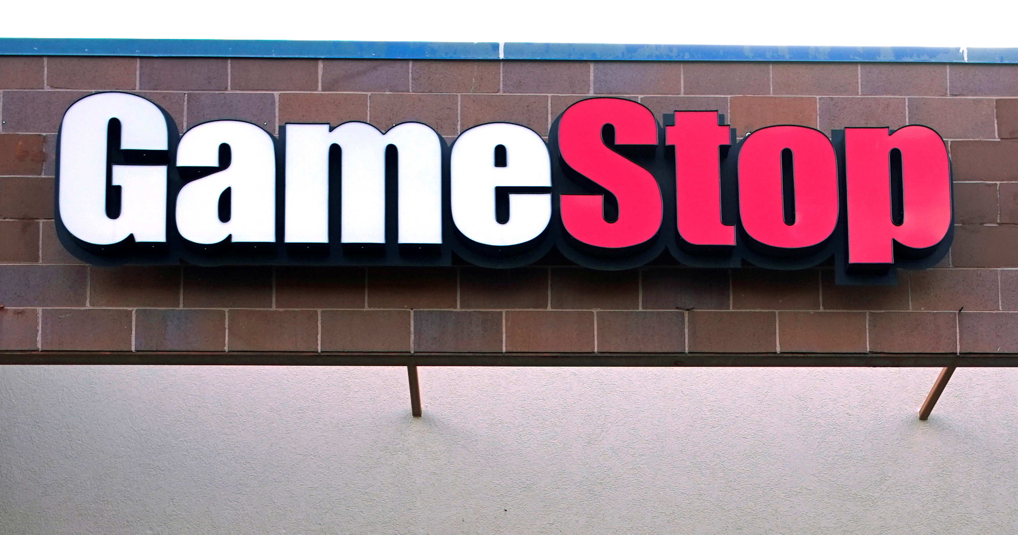 The GameStop store sign is seen at its shop in Westminster, Colorado January 14, 2014. REUTERS/Rick Wilking/File Photo