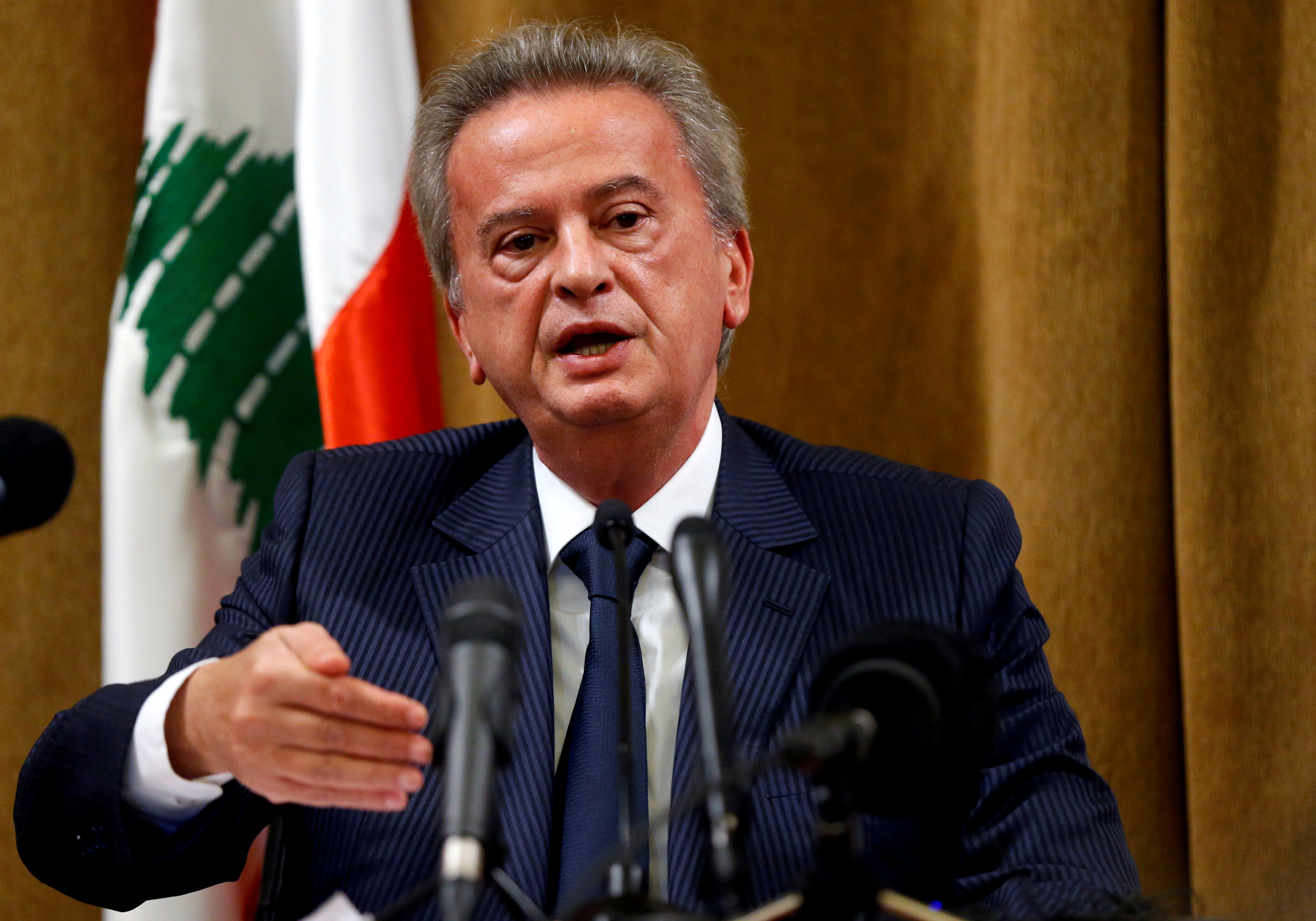 Lebanon's Central Bank Governor Riad Salameh speaks during a news conference at Central Bank in Beirut, Lebanon, November 11, 2019. REUTERS/Mohamed Azakir/File Photo