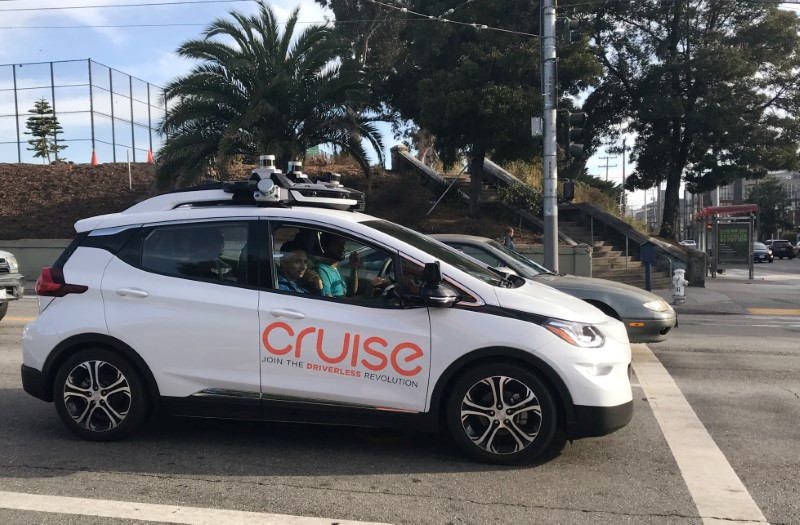 A Cruise self-driving car, which is owned by General Motors Corp, is seen outside the company's headquarters in San Francisco where it does most of its testing, in California, U.S., September 26, 2018.  Picture taken on September 26, 2018.   REUTERS/Heather Somerville/File Photo