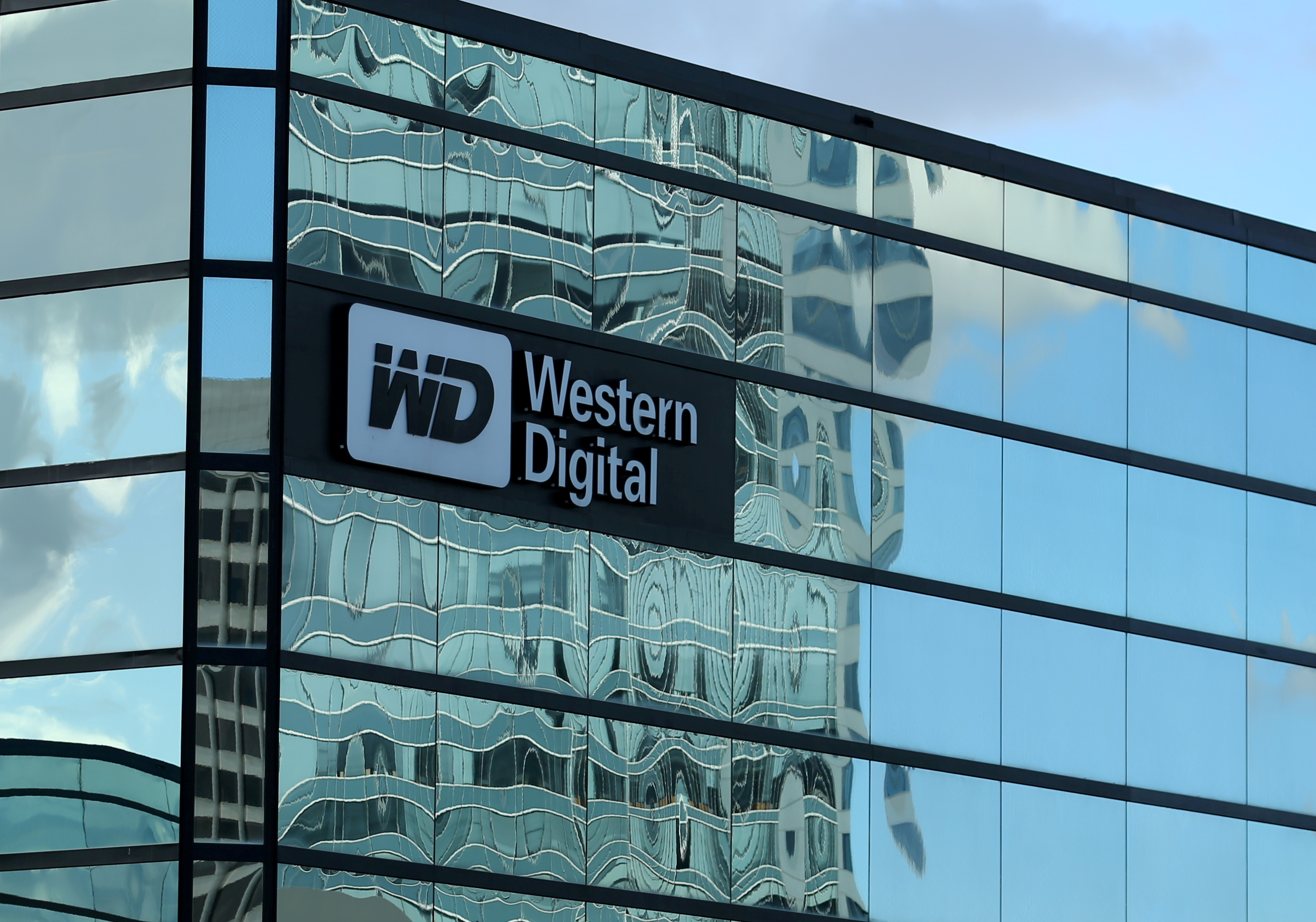 A Western Digital office building is shown in Irvine, California, U.S., January 24, 2017.   REUTERS/Mike Blake/File Photo