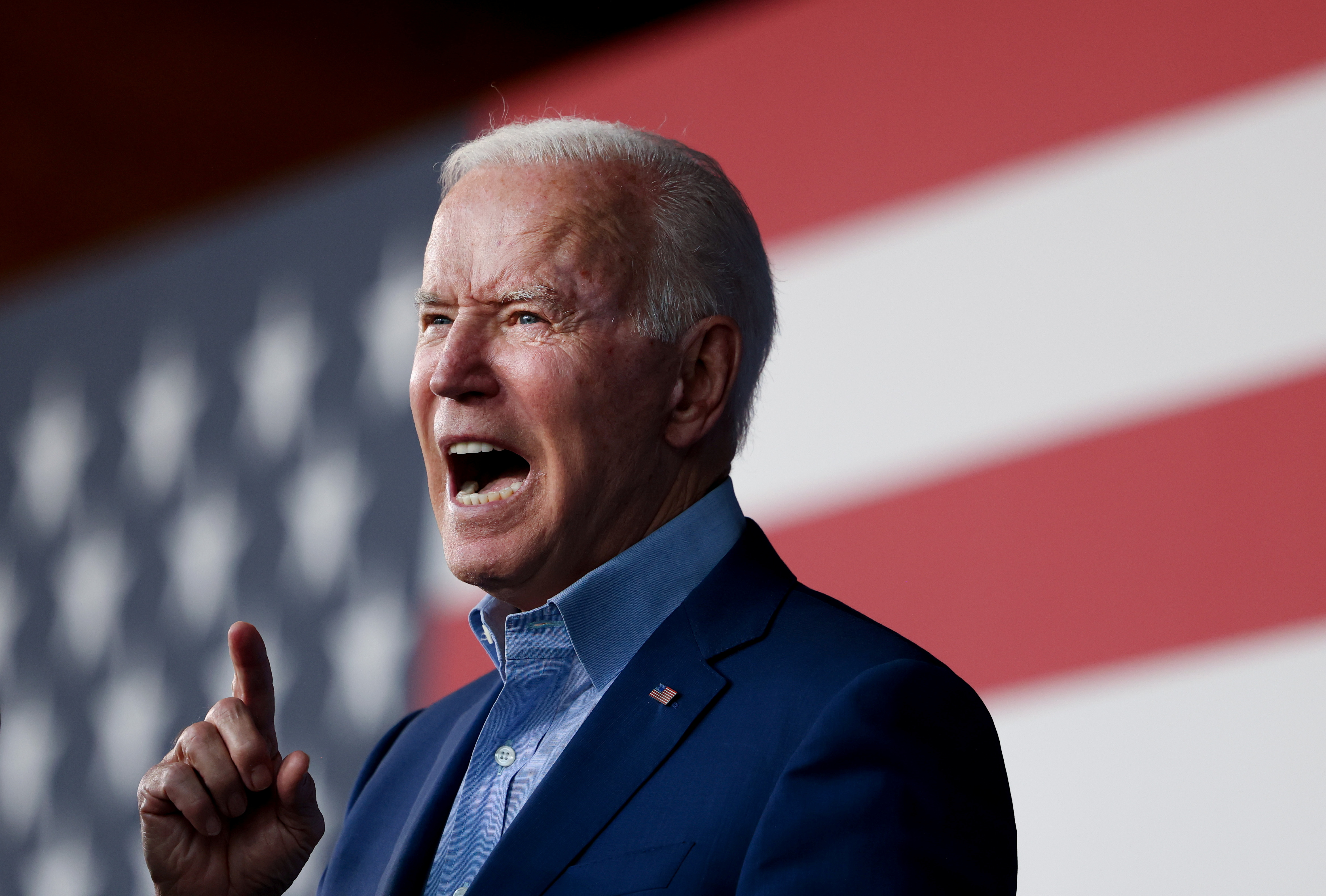 U.S. President Joe Biden participates in a campaign event for Virginia gubernatorial candidate Terry McAuliffe at Lubber Run Park in Arlington, Virginia, U.S., July 23, 2021. REUTERS/Evelyn Hockstein