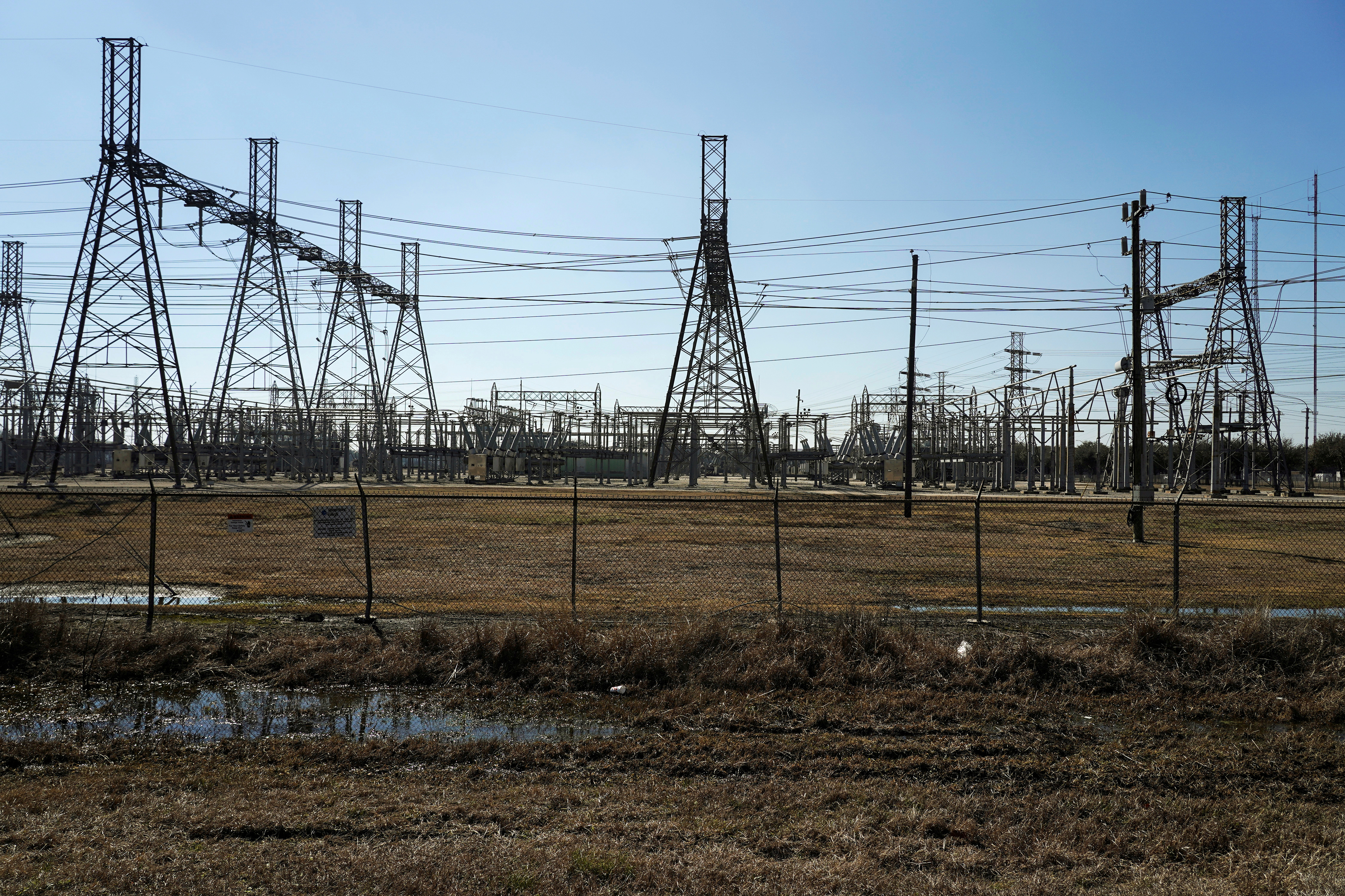 Texas Grid Asks Residents to Conserve Electricity Use as Heatwave Hits