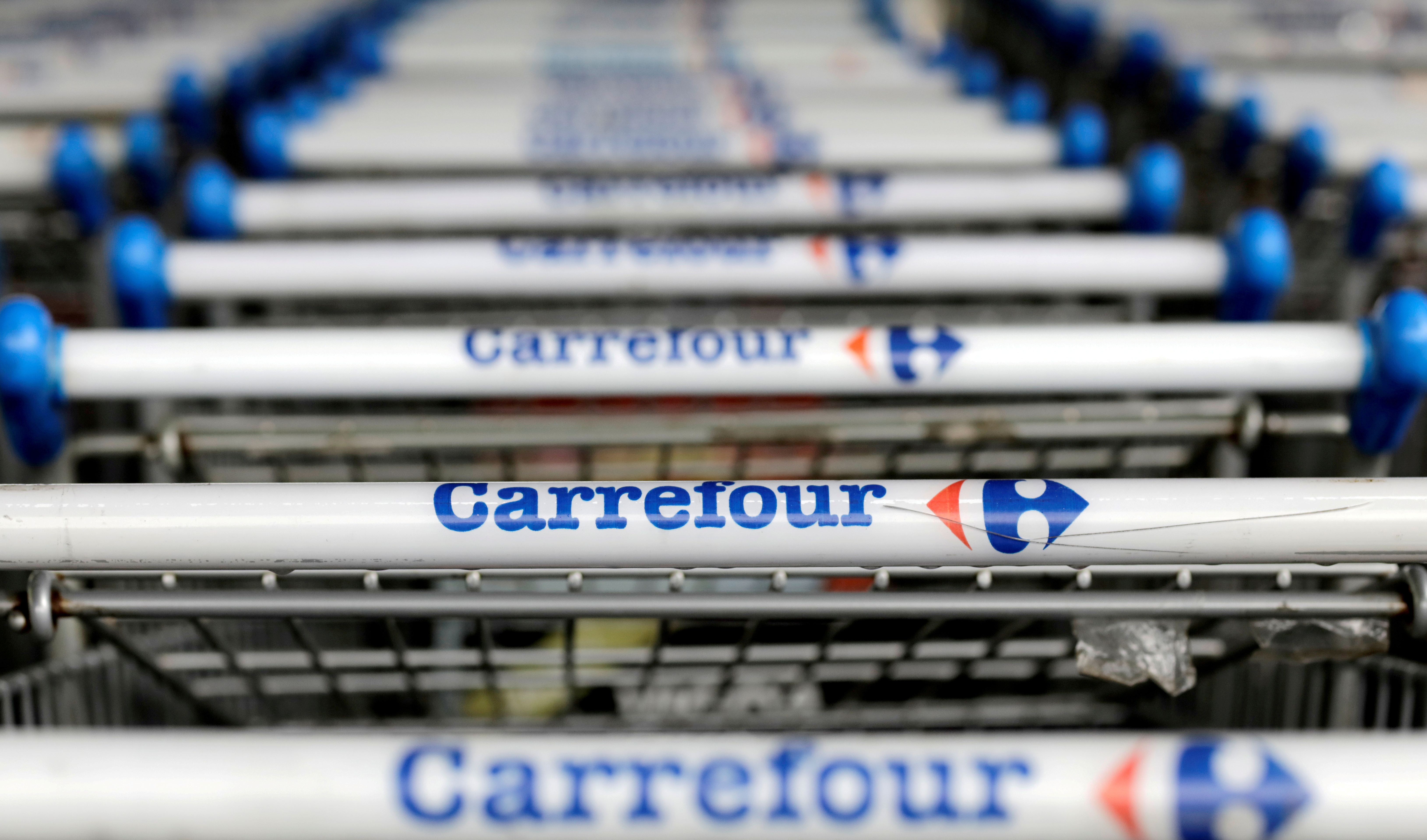 The logo of French retailer Carrefour on shopping trolleys in Sao Paulo, Brazil, July 18, 2017. REUTERS/Paulo Whitaker