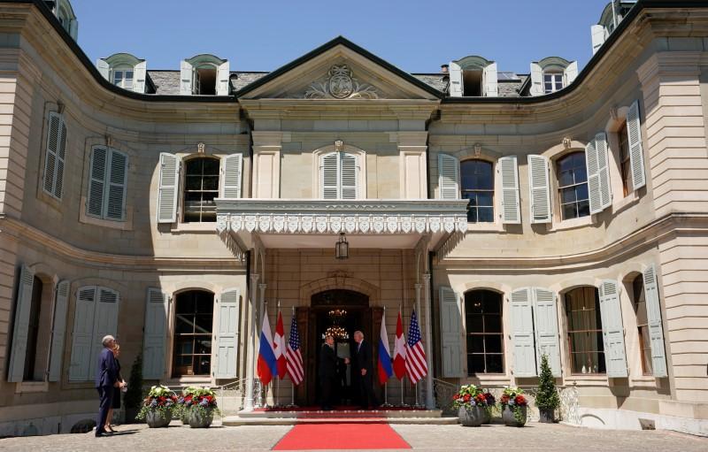 U.S. President Joe Biden and Russia's President Vladimir Putin shake hands as they arrive for the U.S.-Russia summit at Villa La Grange in Geneva, Switzerland, June 16, 2021. REUTERS/Kevin Lamarque