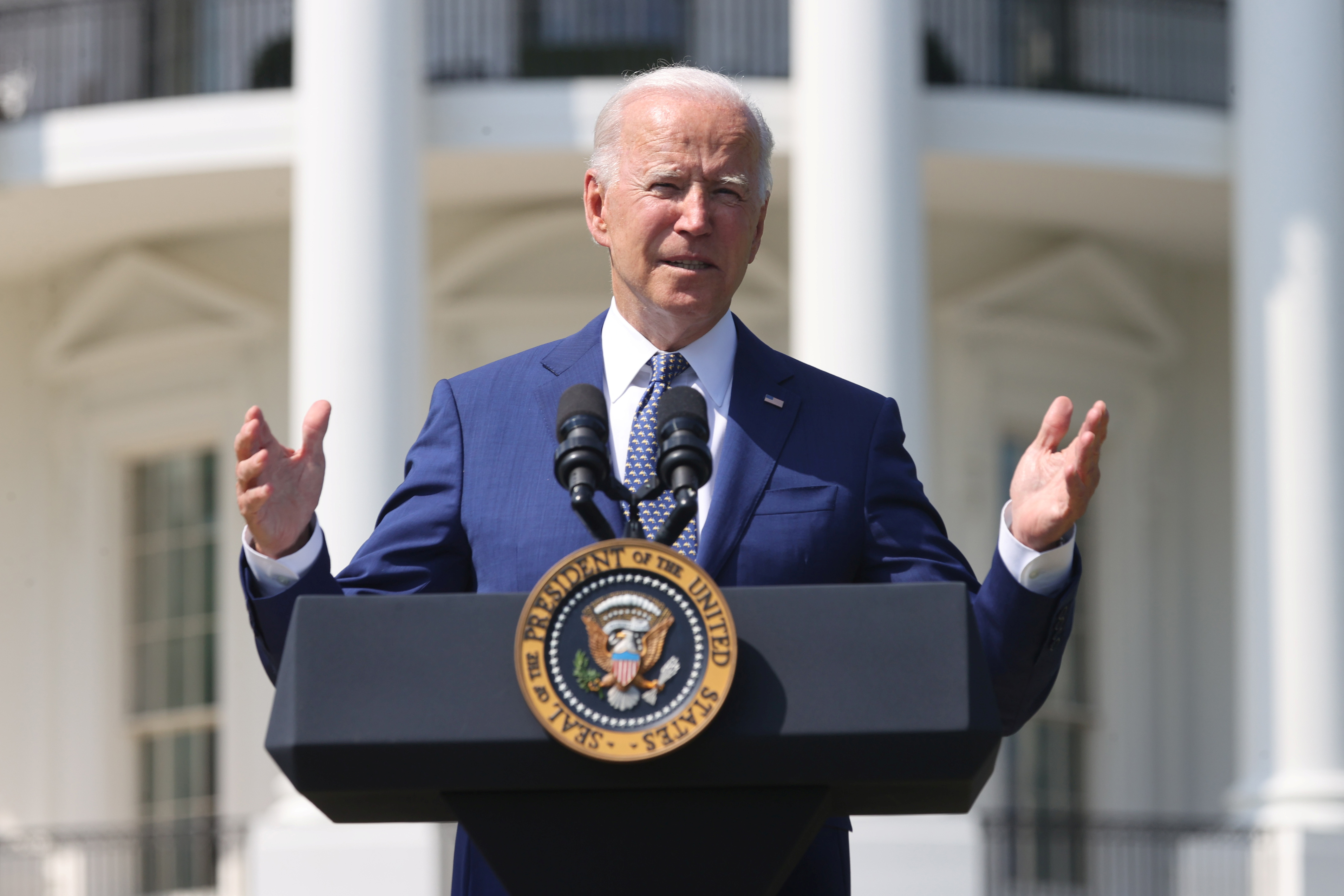 U.S. President Joe Biden speaks during an event for clean cars and trucks at the White House in Washington, U.S. August 5, 2021.  REUTERS/Jonathan Ernst