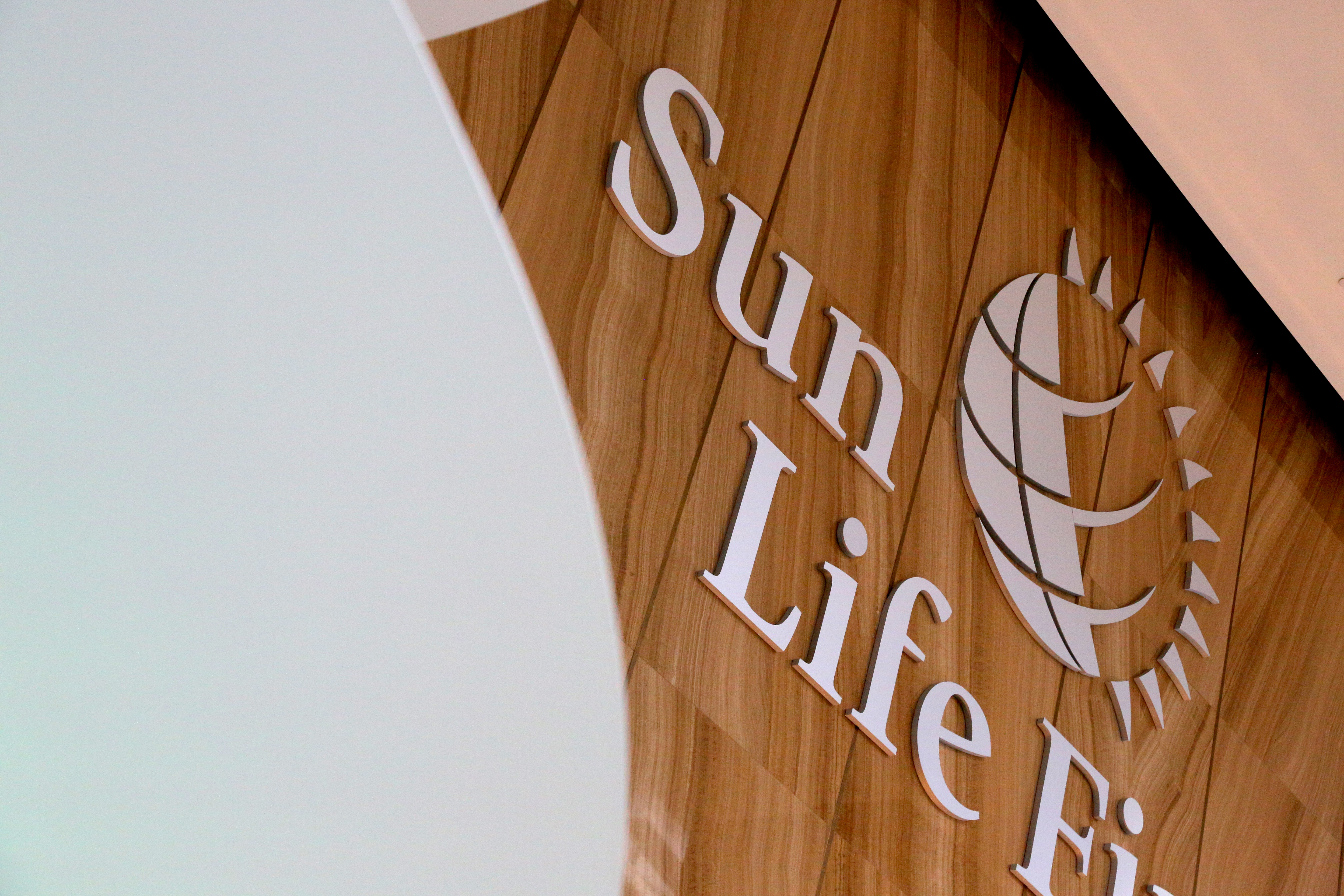The Sun Life Financial logo is seen at their corporate headquarters of One York Street in Toronto, Ontario, Canada, February 11, 2019.  REUTERS/Chris Helgren//File Photo