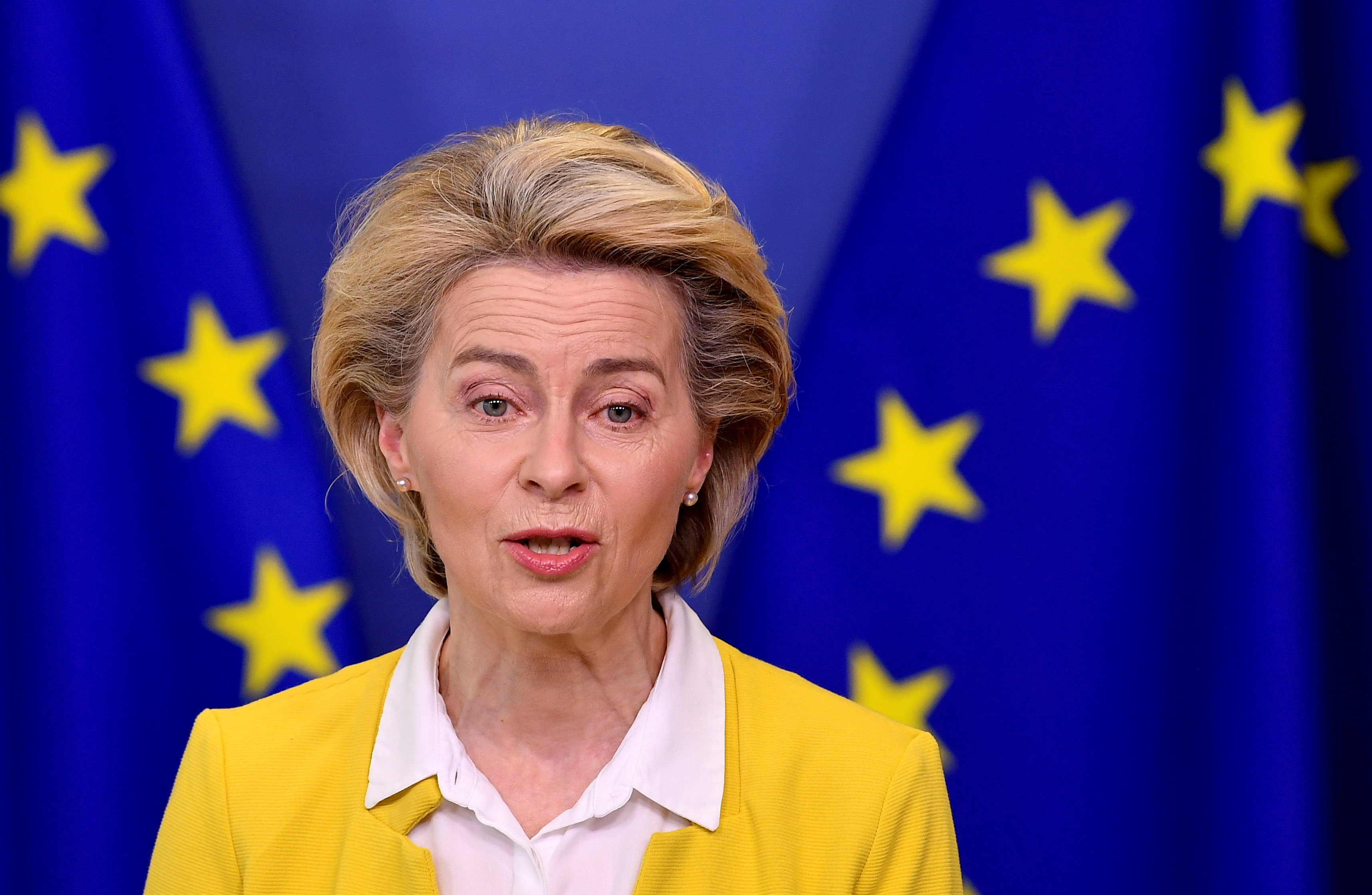 European Commission President Ursula von der Leyen delivers a statement on EU's coronavirus disease (COVID-19) vaccine strategy, following a college meeting at the EU Commission headquarters in Brussels, Belgium April 14, 2021. John Thys/Pool via REUTERS/File Photo