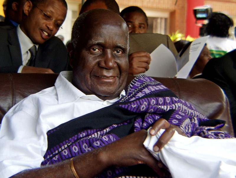 Kenneth Kaunda, Zambia's First President, Dies at 97
