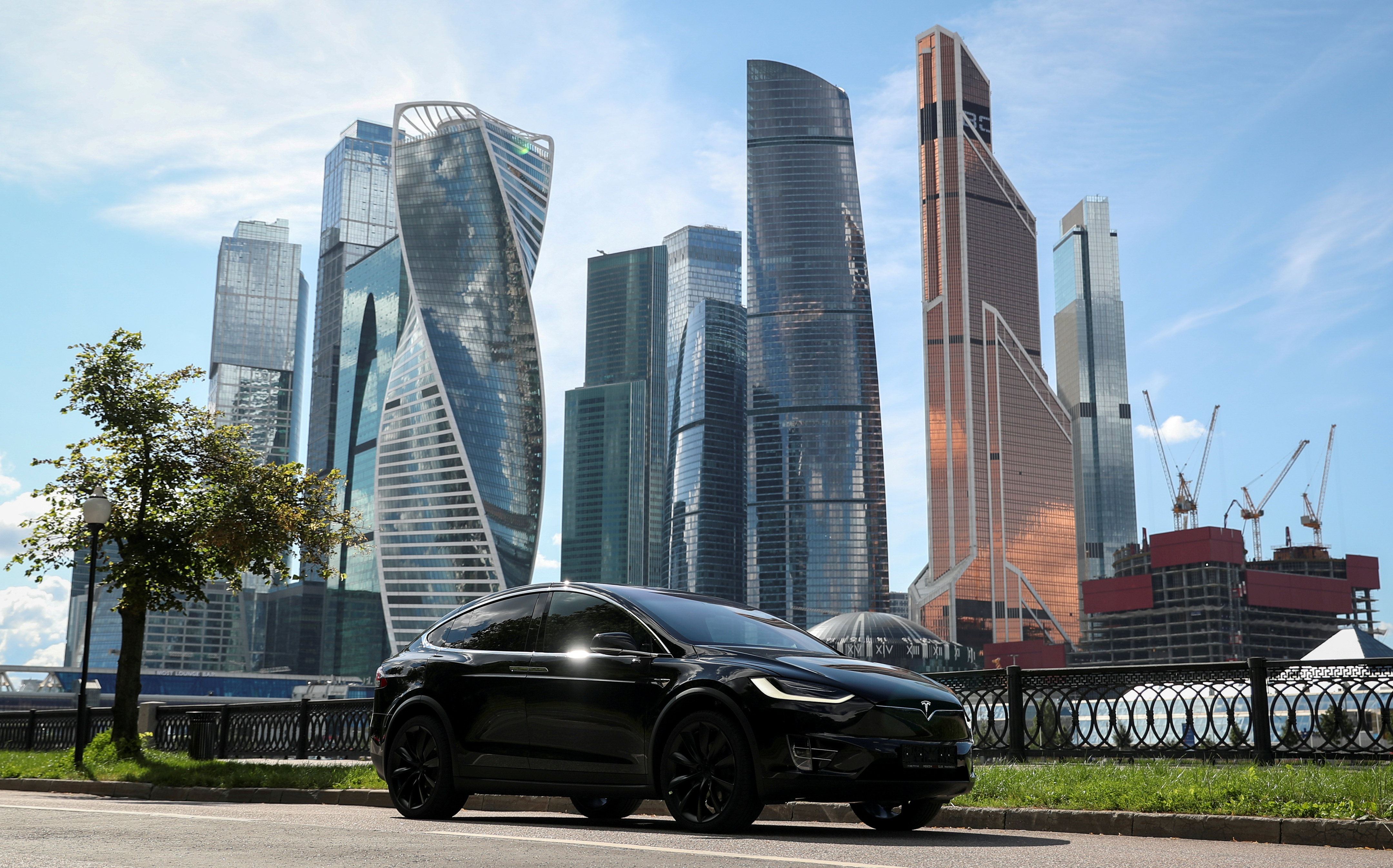 Moscow, capital of oil-rich Russia, targets electric car growth   Reuters