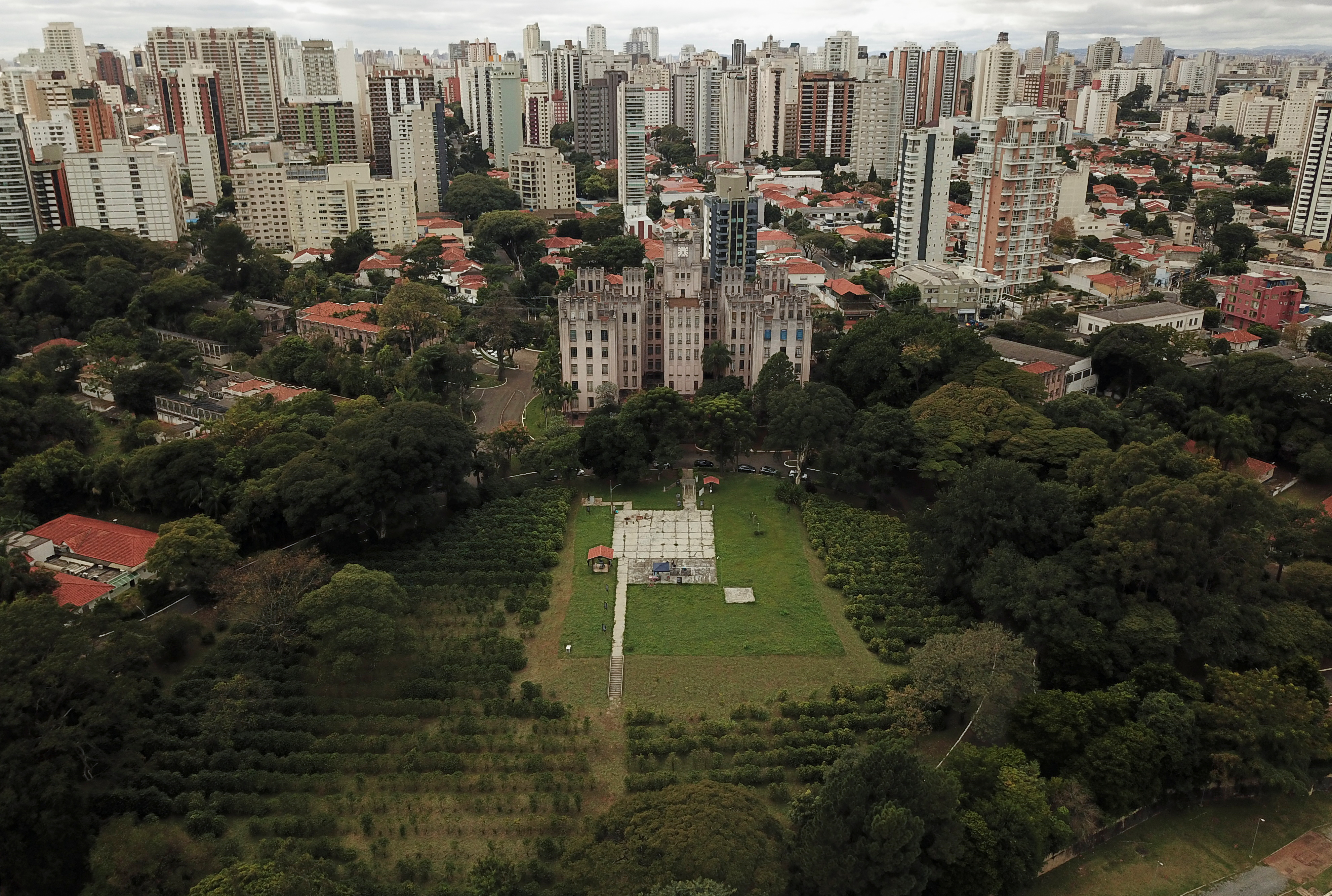 An aerial view of the Biological Institute coffee plantation in Sao Paulo, Brazil May 8, 2021. Picture taken with a drone. REUTERS/Amanda Perobelli