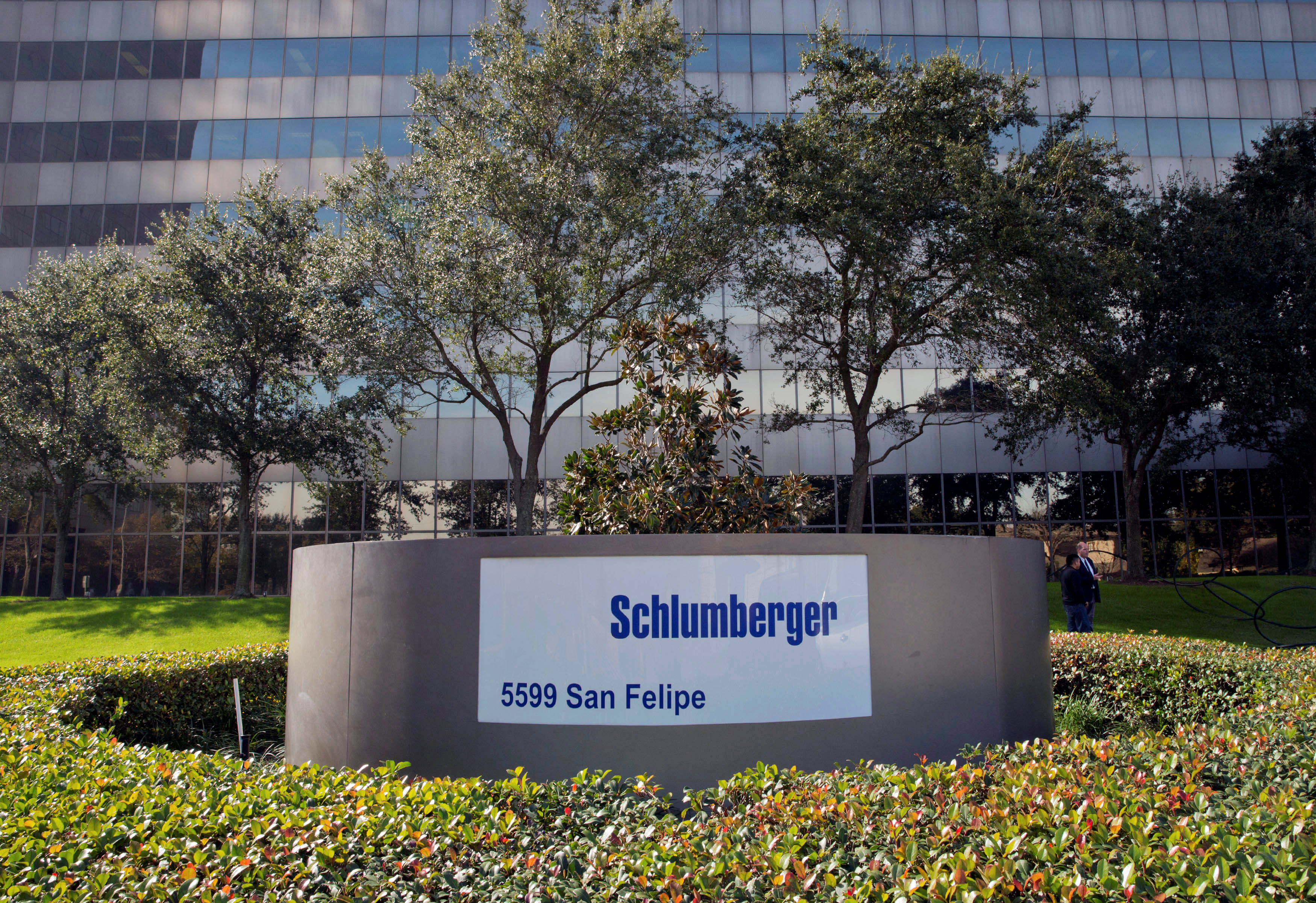 The exterior of the Schlumberger Corporation headquarters building is pictured in the Galleria area of Houston January 16, 2015. REUTERS/Richard Carson