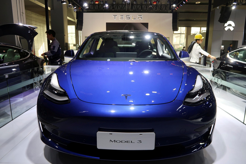 A China-made Tesla Model 3 electric vehicle is seen ahead of the Guangzhou auto show in Guangzhou, Guangdong province, China November 21, 2019. REUTERS/Yilei Sun/File Photo