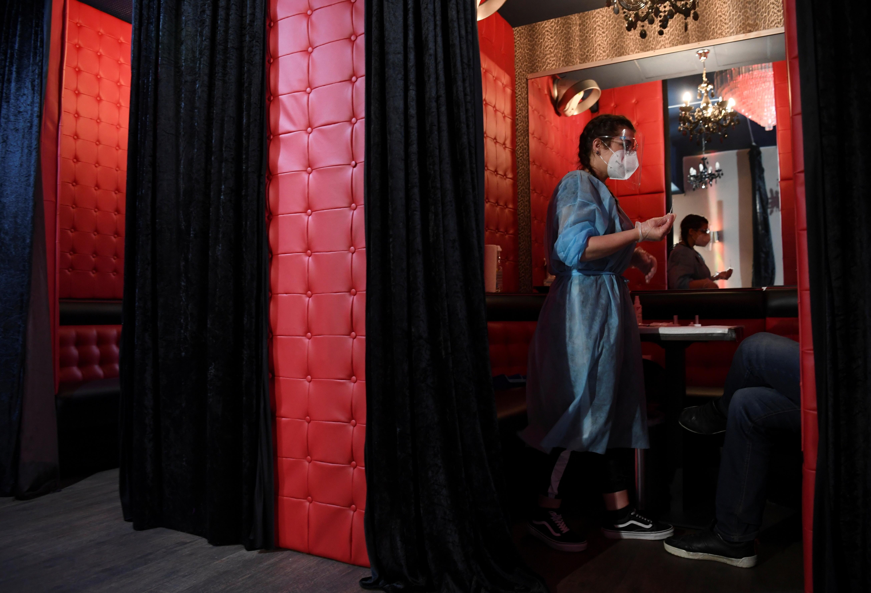 Club in berlin strip Berlin Clubs