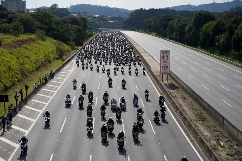 Brazil's President Jair Bolsonaro leads a motorcade rally amid the coronavirus disease (COVID-19) pandemic, in Sao Paulo, Brazil, June 12, 2021. REUTERS/Avener Prado