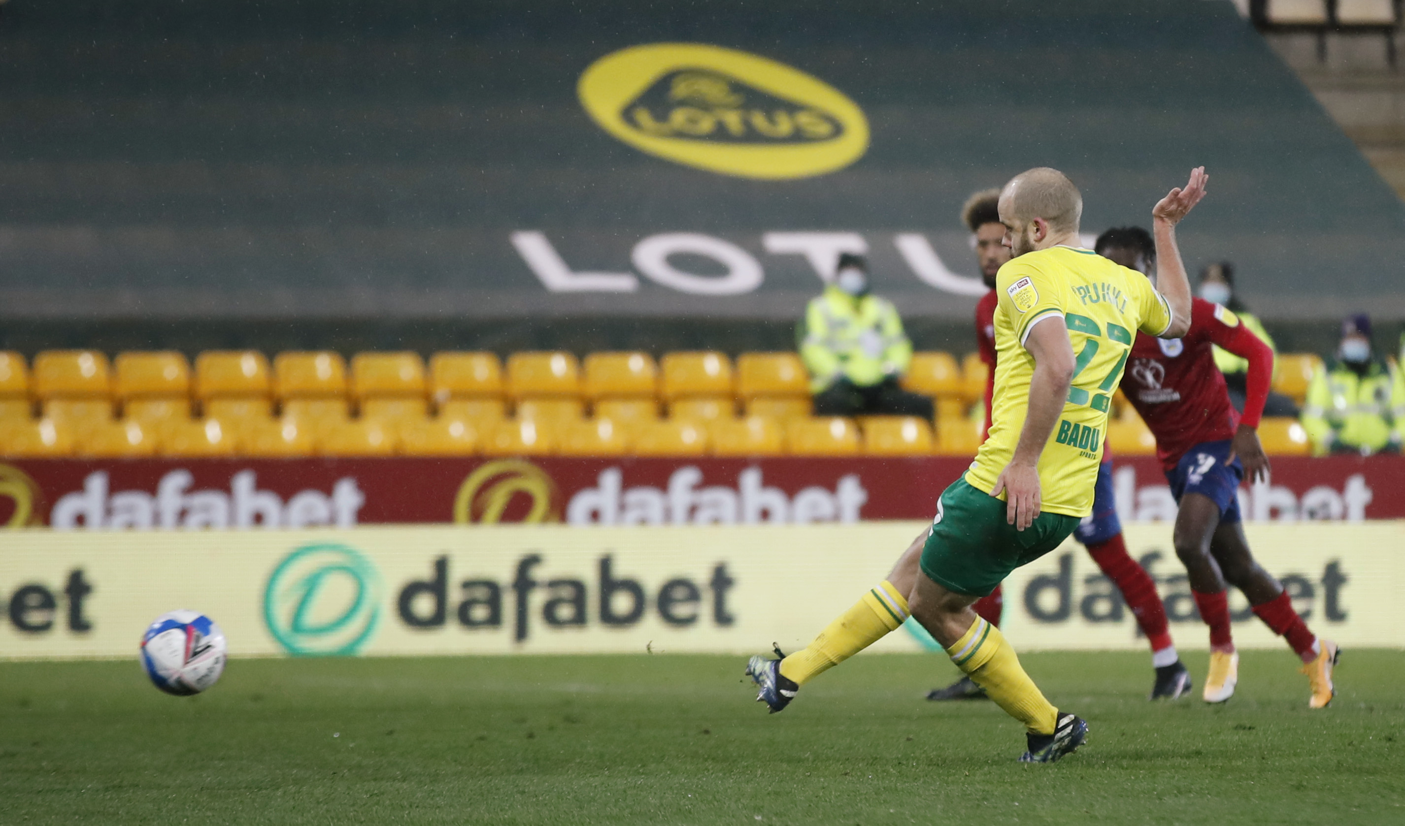 Soccer Football - Championship - Norwich City v Huddersfield Town - Carrow Road, Norwich, Britain - April 6, 2021 Norwich City's Teemu Pukki scores their sixth goal Action Images/Matthew Childs