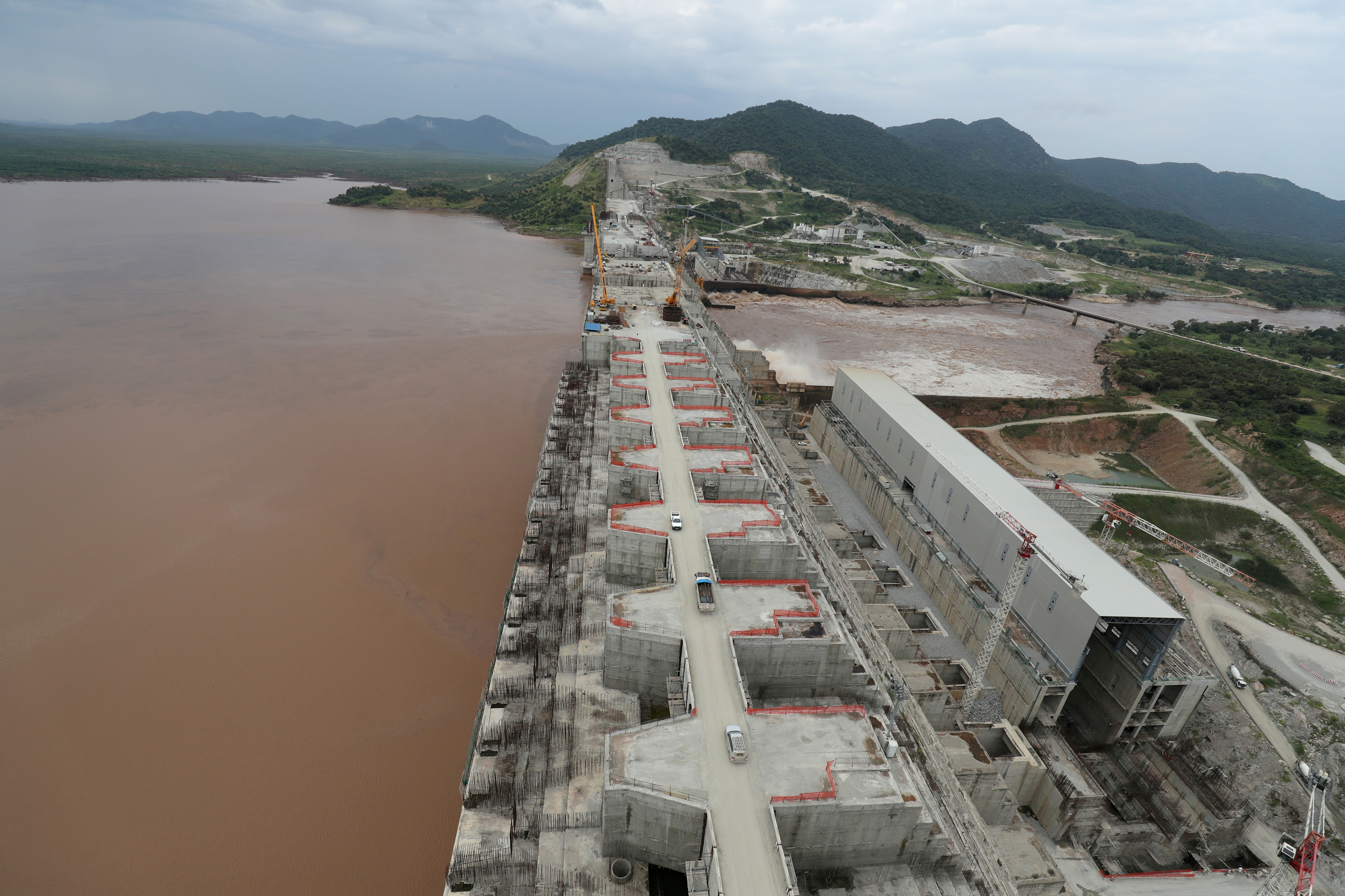 Ethiopia's Grand Renaissance Dam is seen as it undergoes construction work on the river Nile in Guba Woreda, Benishangul Gumuz Region, Ethiopia September 26, 2019. REUTERS/Tiksa Negeri