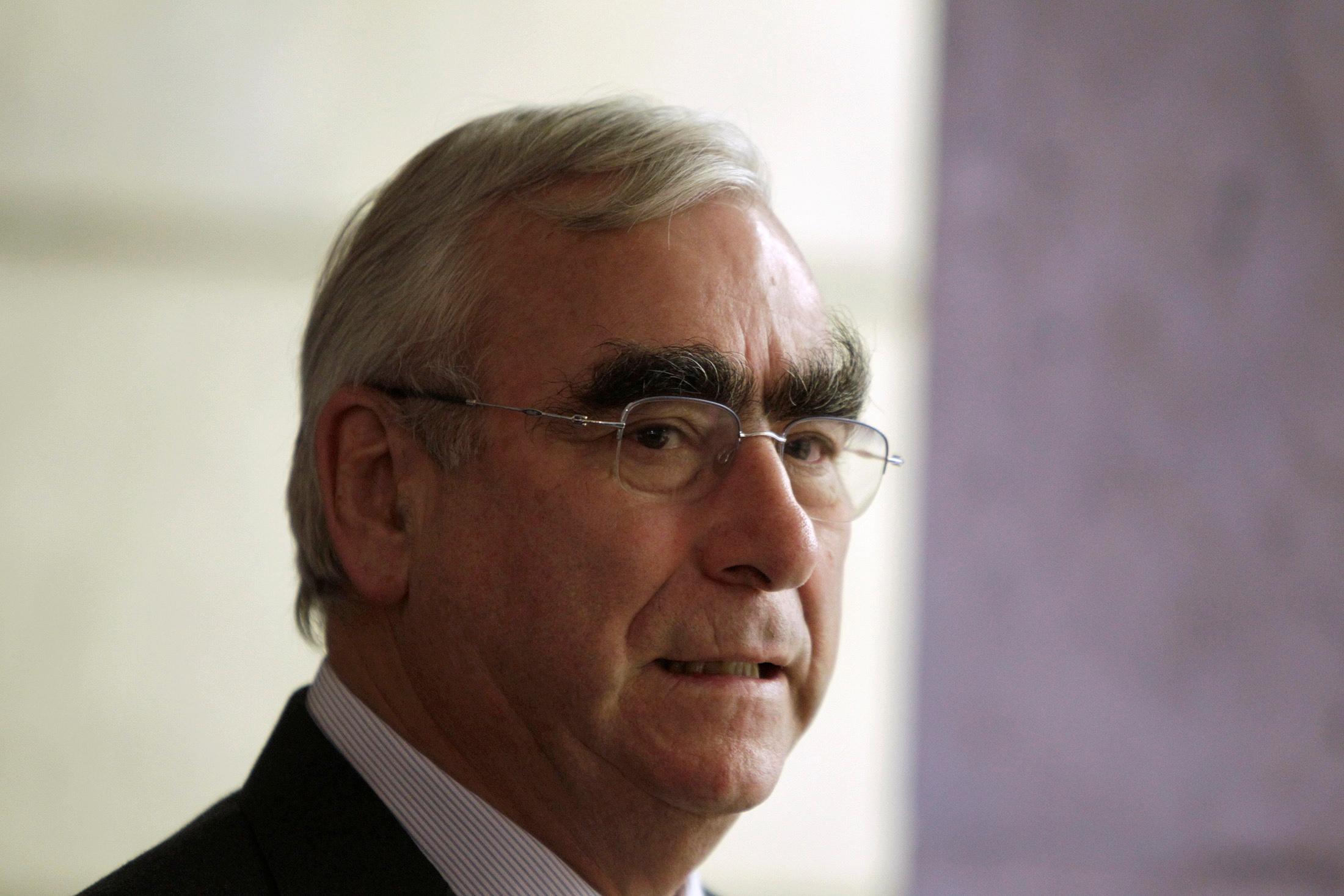 O ex-ministro das Finanças alemão Theo Waigel em Berlim, 28 de setembro de 2010. REUTERS / Tobias Schwarz / Foto de arquivo