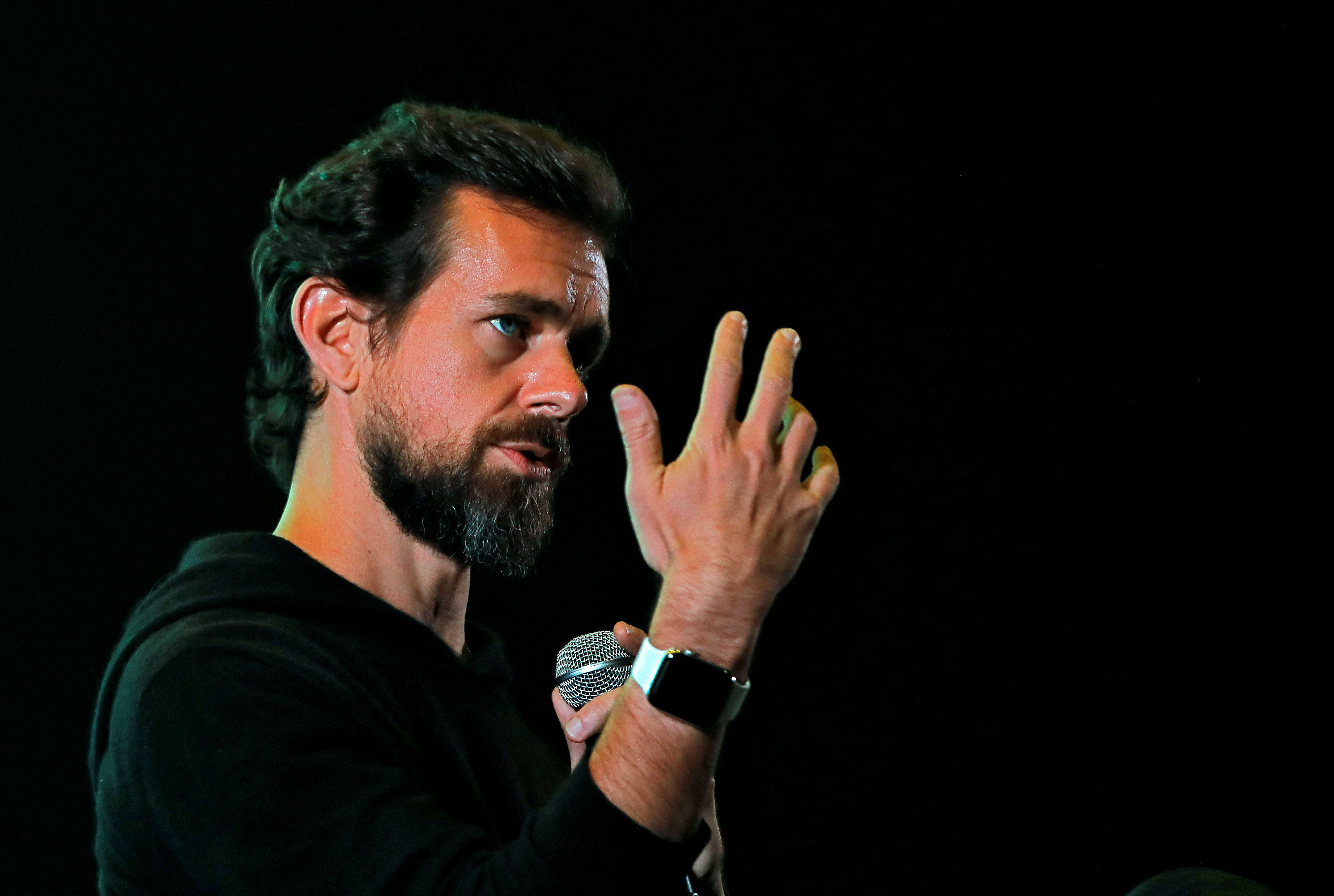 Twitter CEO Jack Dorsey addresses students during a town hall at the Indian Institute of Technology (IIT) in New Delhi, India, November 12, 2018. REUTERS/Anushree Fadnavis/File Photo