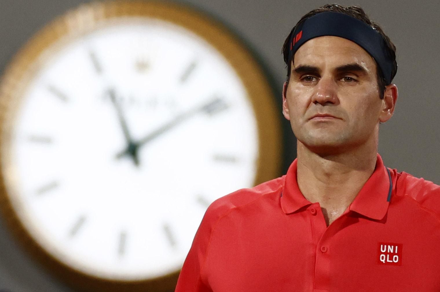 Tennis - French Open - Roland Garros, Paris, France - June 5, 2021 Switzerland's Roger Federer  during his third round match against Germany's Dominik Koepfer REUTERS/Christian Hartmann