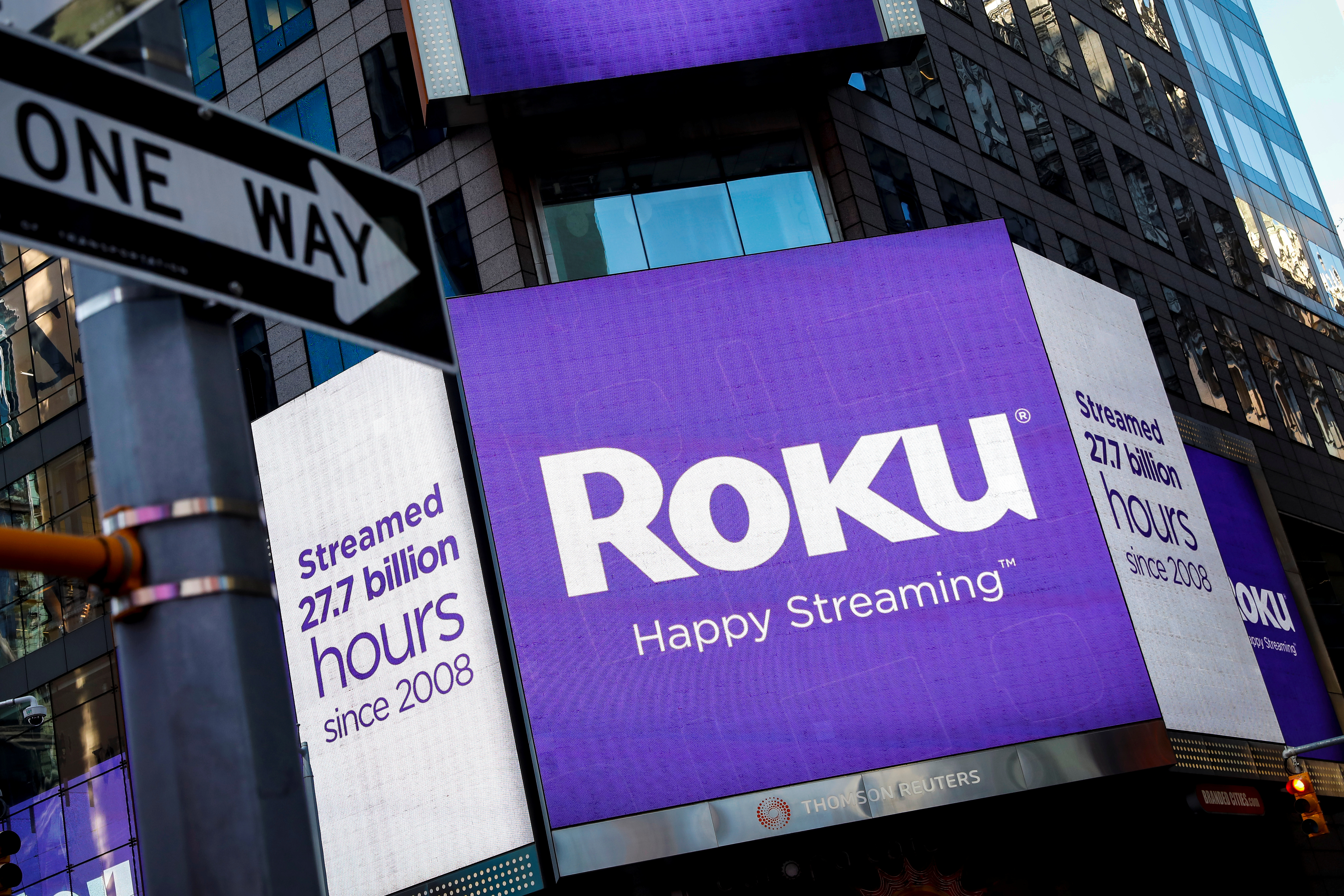 A video sign displays the logo for Roku Inc, a Fox-backed video streaming firm, in Times Square after the company's IPO at the Nasdaq Market in New York, U.S., September 28, 2017. REUTERS/Brendan McDermid