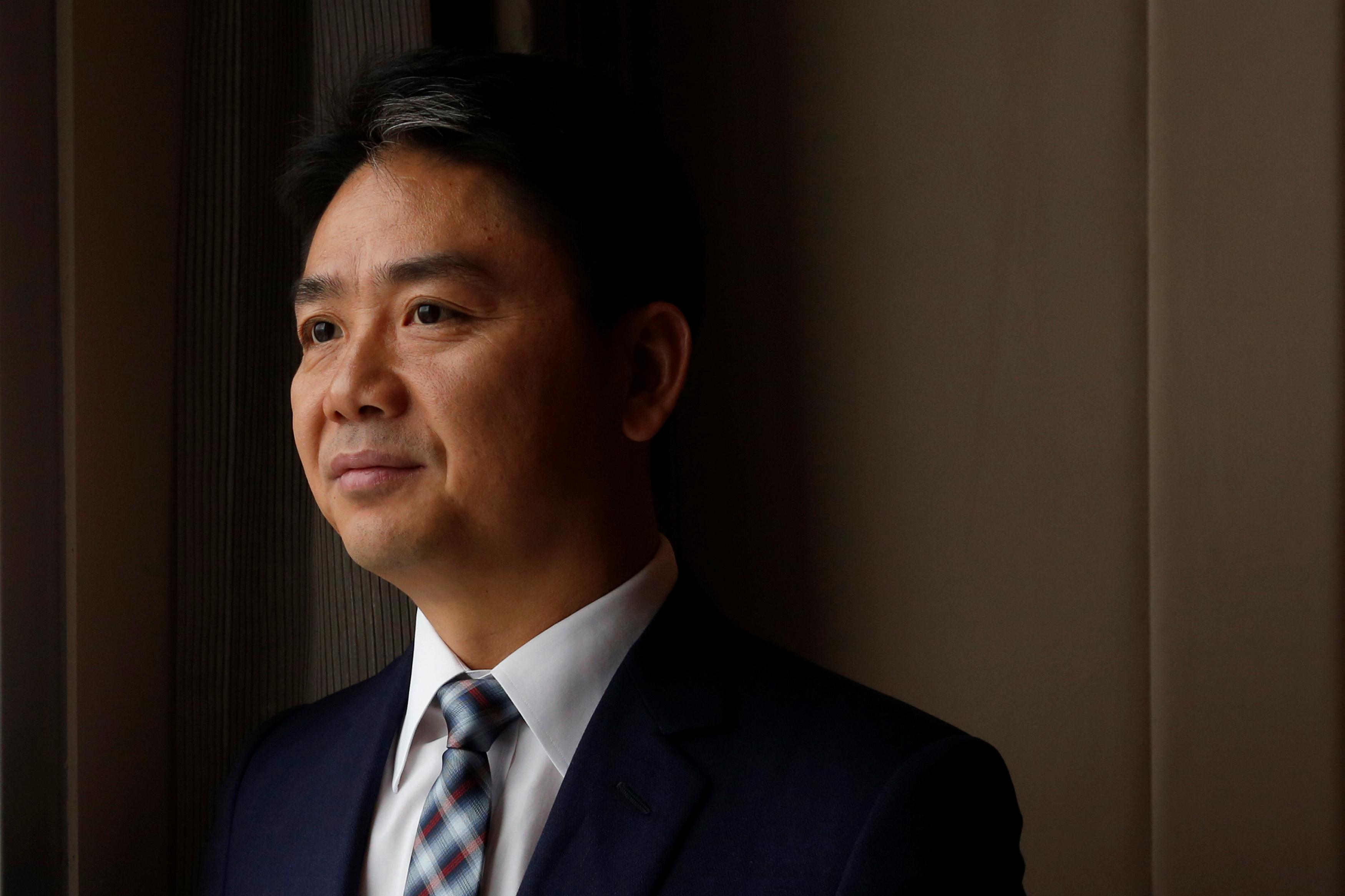 JD.com founder Richard Liu poses during a Reuters interview in Hong Kong, China June 9, 2017.      REUTERS/Bobby Yip